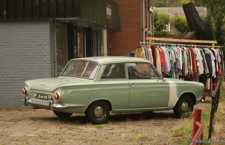 1964_Ford_Consul_Cortina_%2815113769791%
