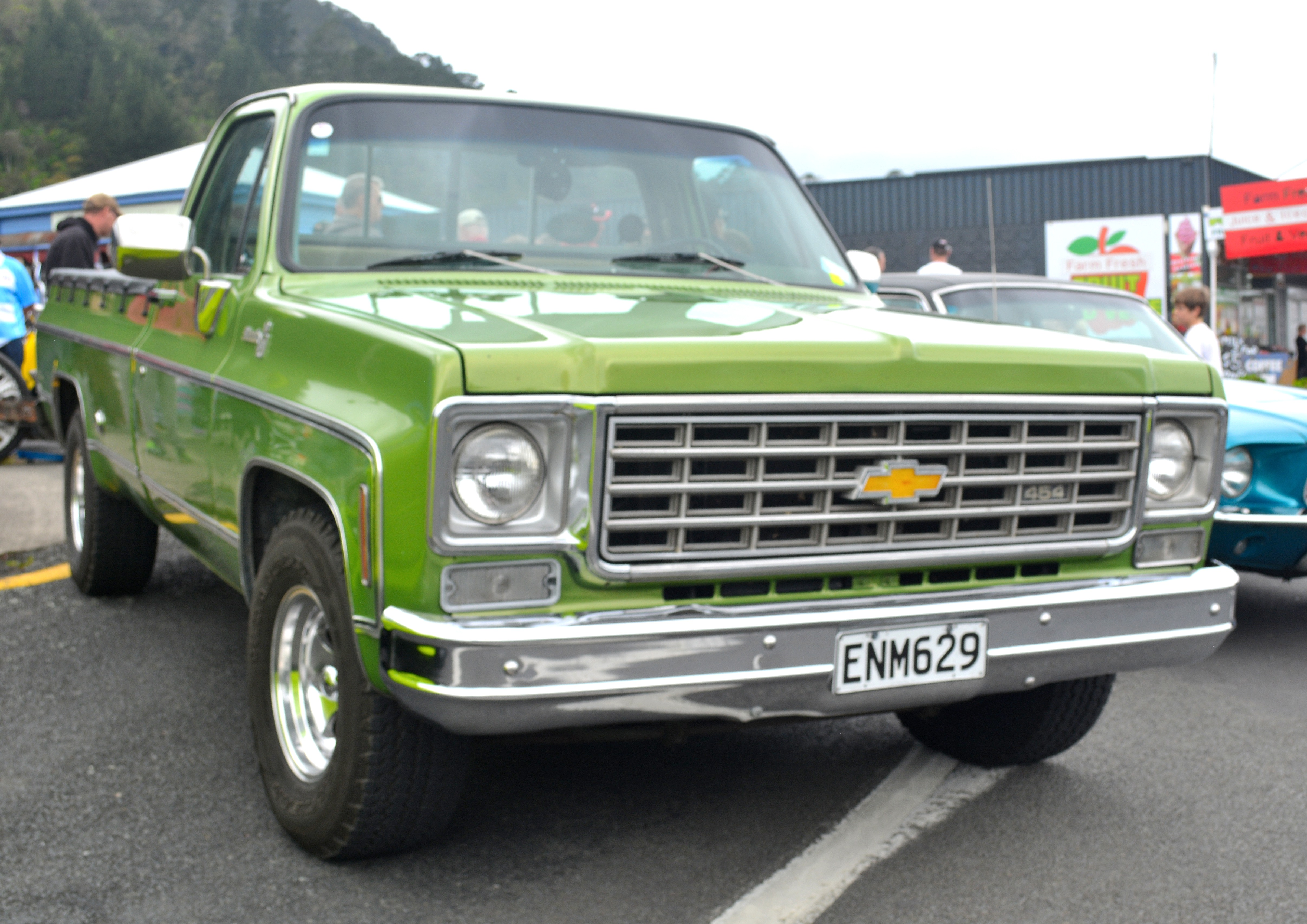 File1976 Chevrolet Silverado 37755510196 Wikimedia Commons 1976 Chevy Custom Deluxe Truck