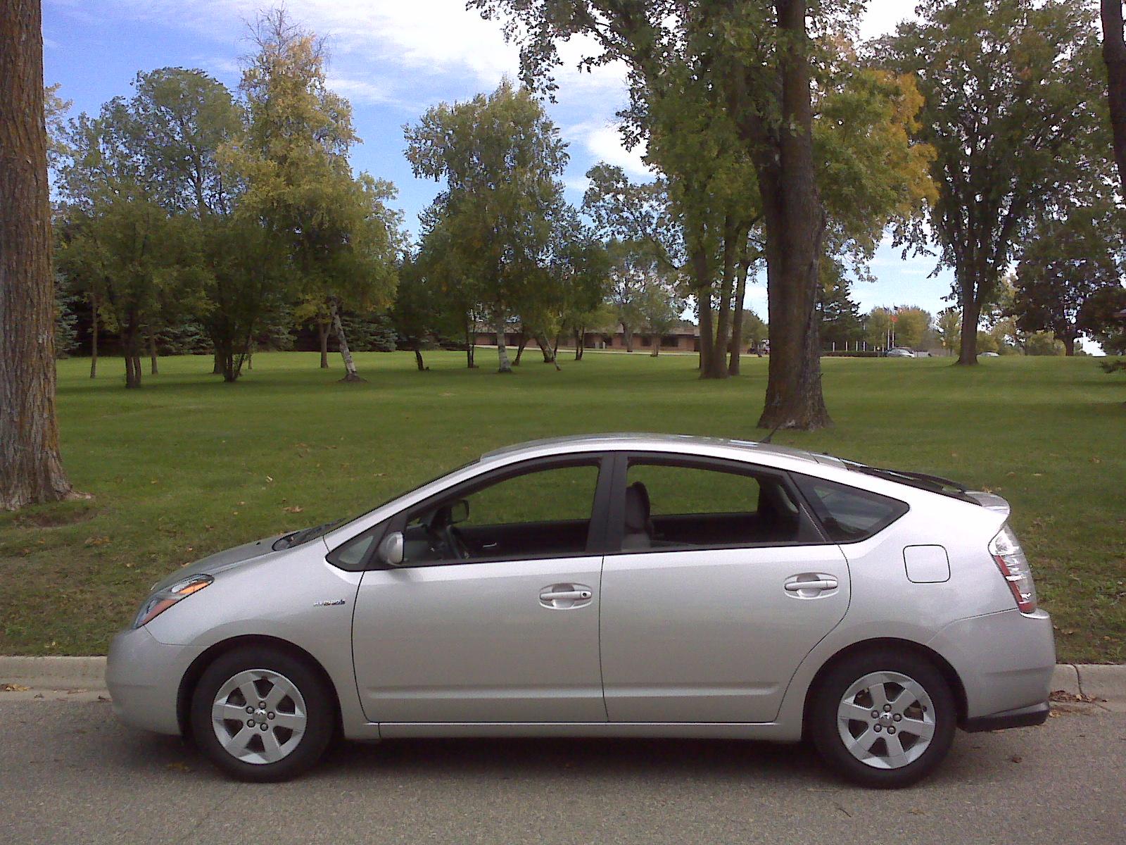 File 2006 Toyota Prius Jpg