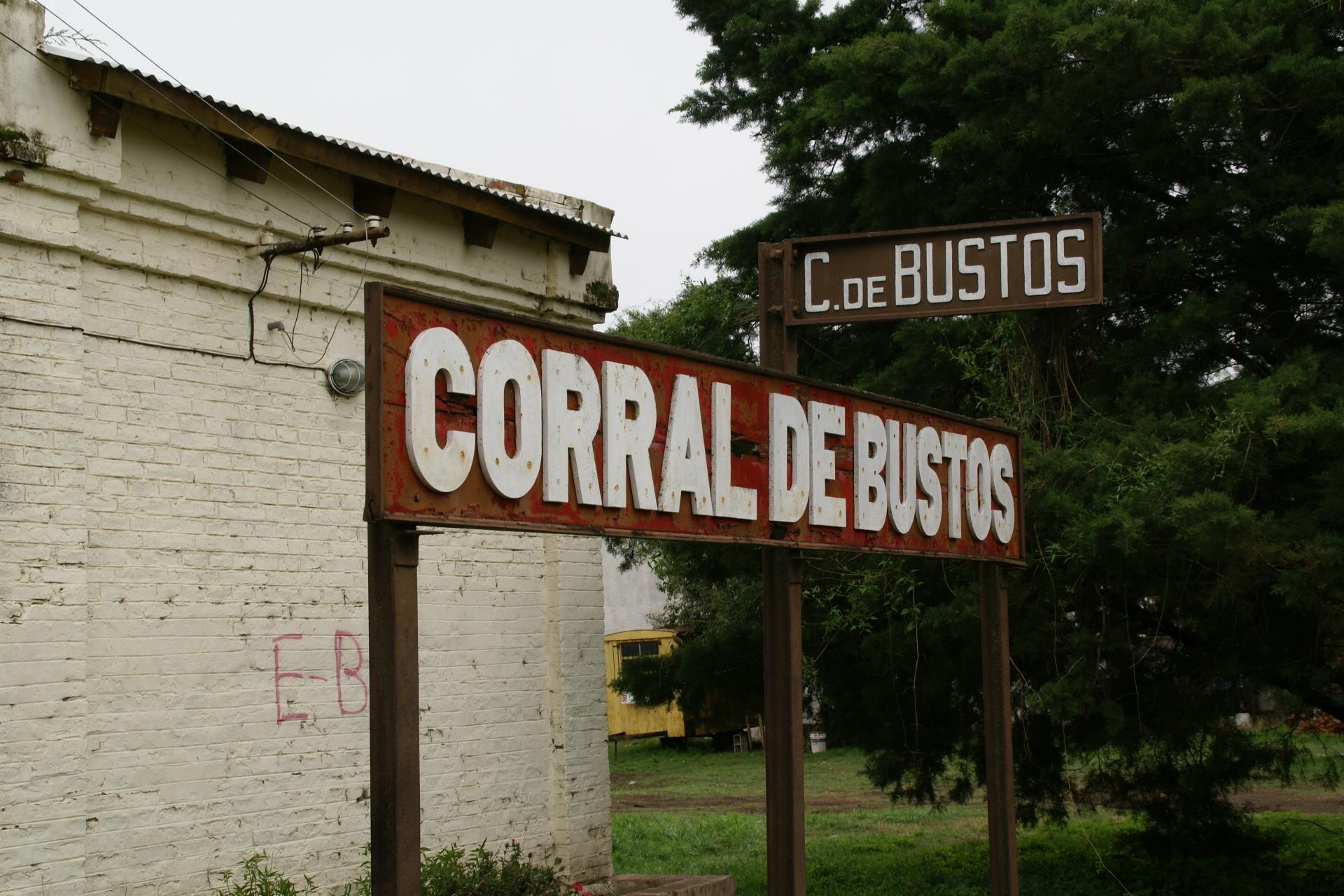 http://upload.wikimedia.org/wikipedia/commons/6/60/2011.10.19.090752_Train_station_Corral_de_Bustos_Argentina.jpg