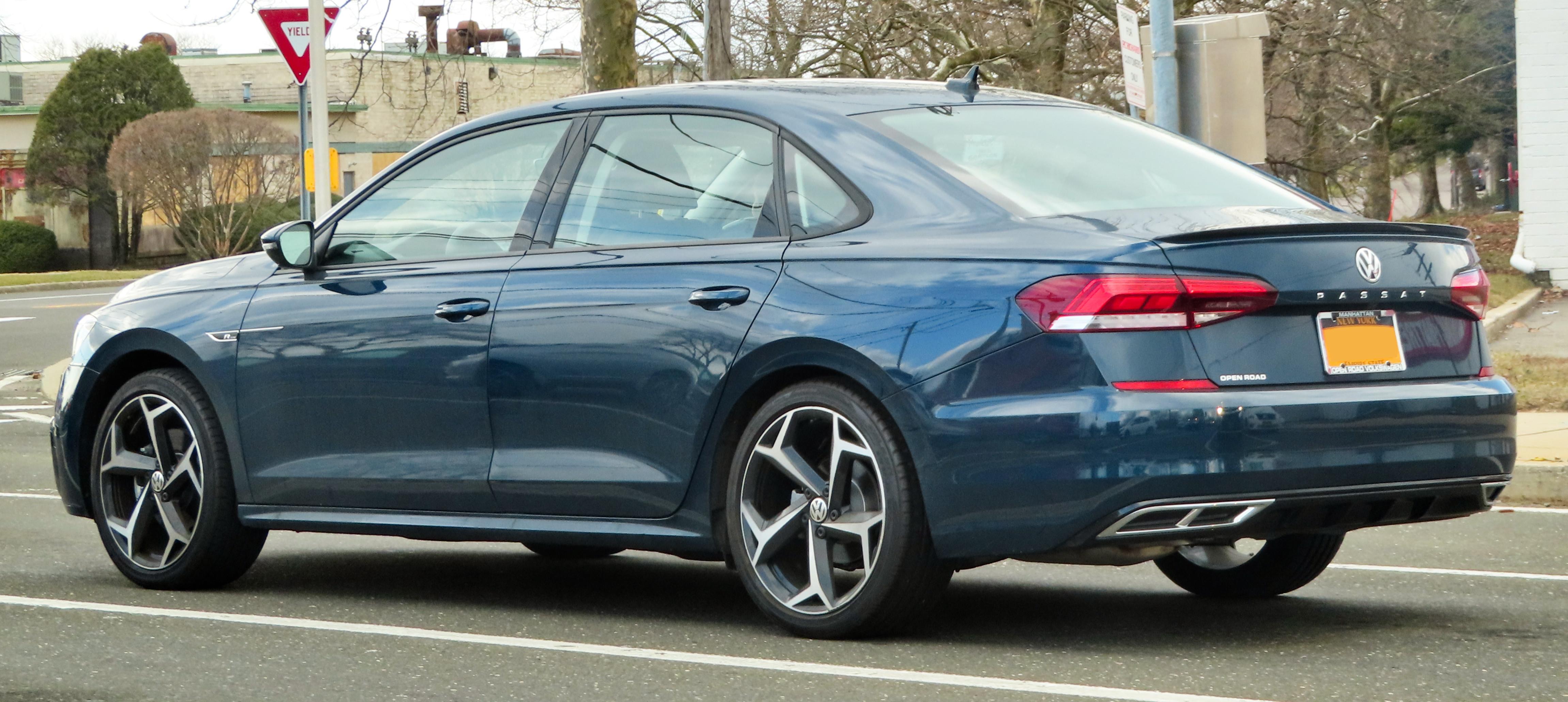 File:2020 Volkswagen Passat R-Line (NMS II), rear 2.29.20.jpg ...