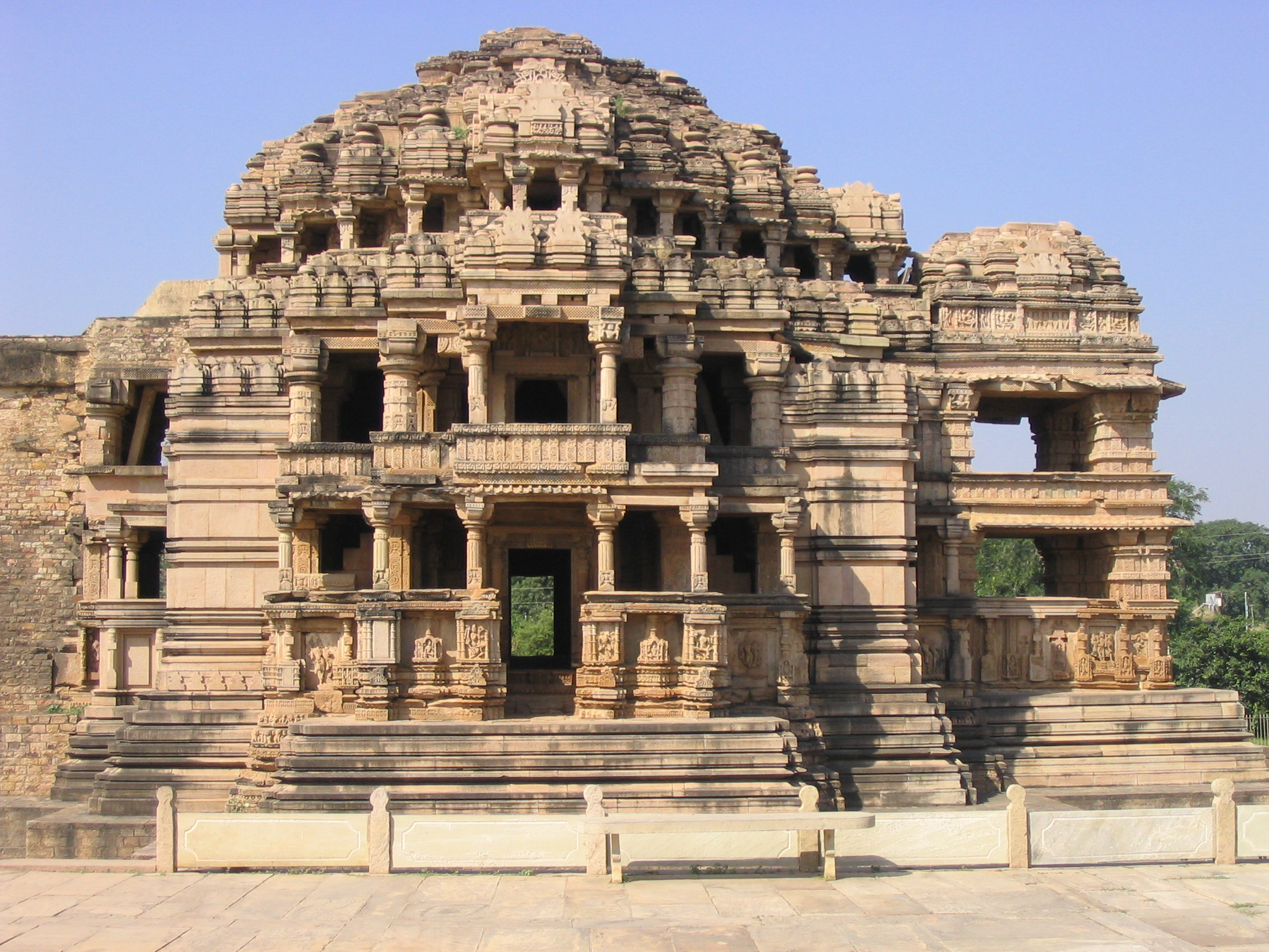 Madhya definition what is for Architecture definition wikipedia