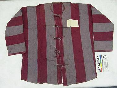 File:75-71-A Shirt, Prisoner of War, North Vietnamese (7562940934).jpg