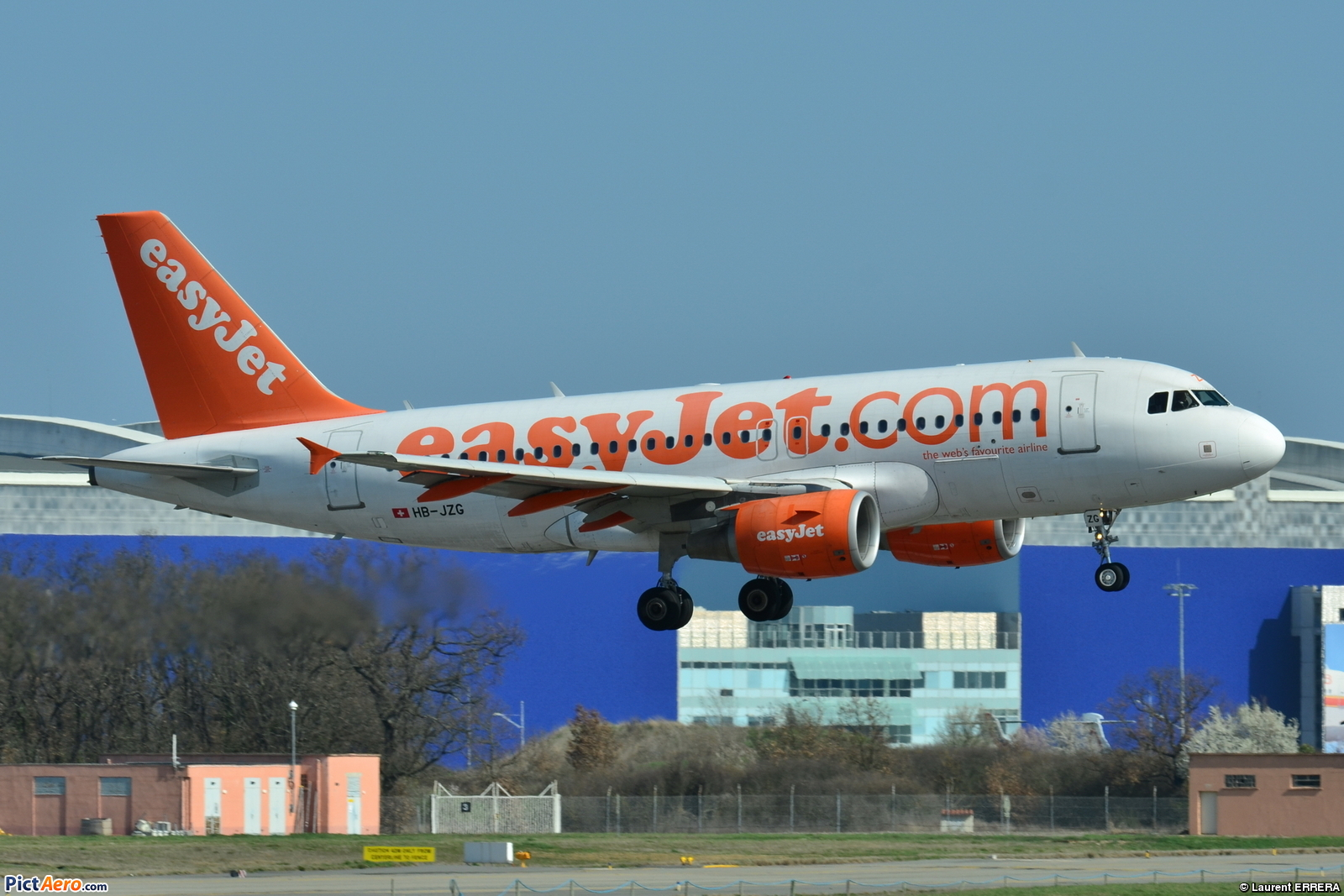 File:Airbus A319-100 Easyjet Switzerland (EZS) HB-JZG - MSN