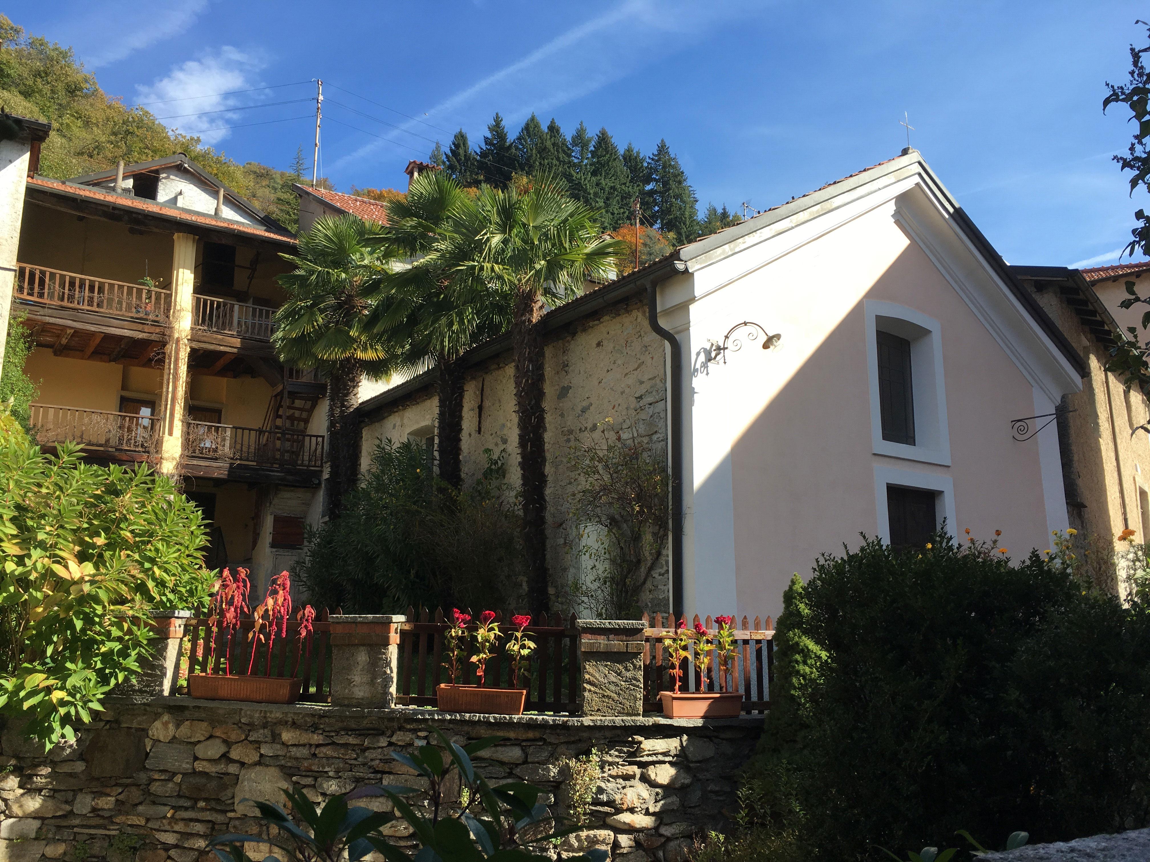 File:Astano-Sant-Antonio-Abate-aussen-Umgebung.jpg - Wikimedia Commons