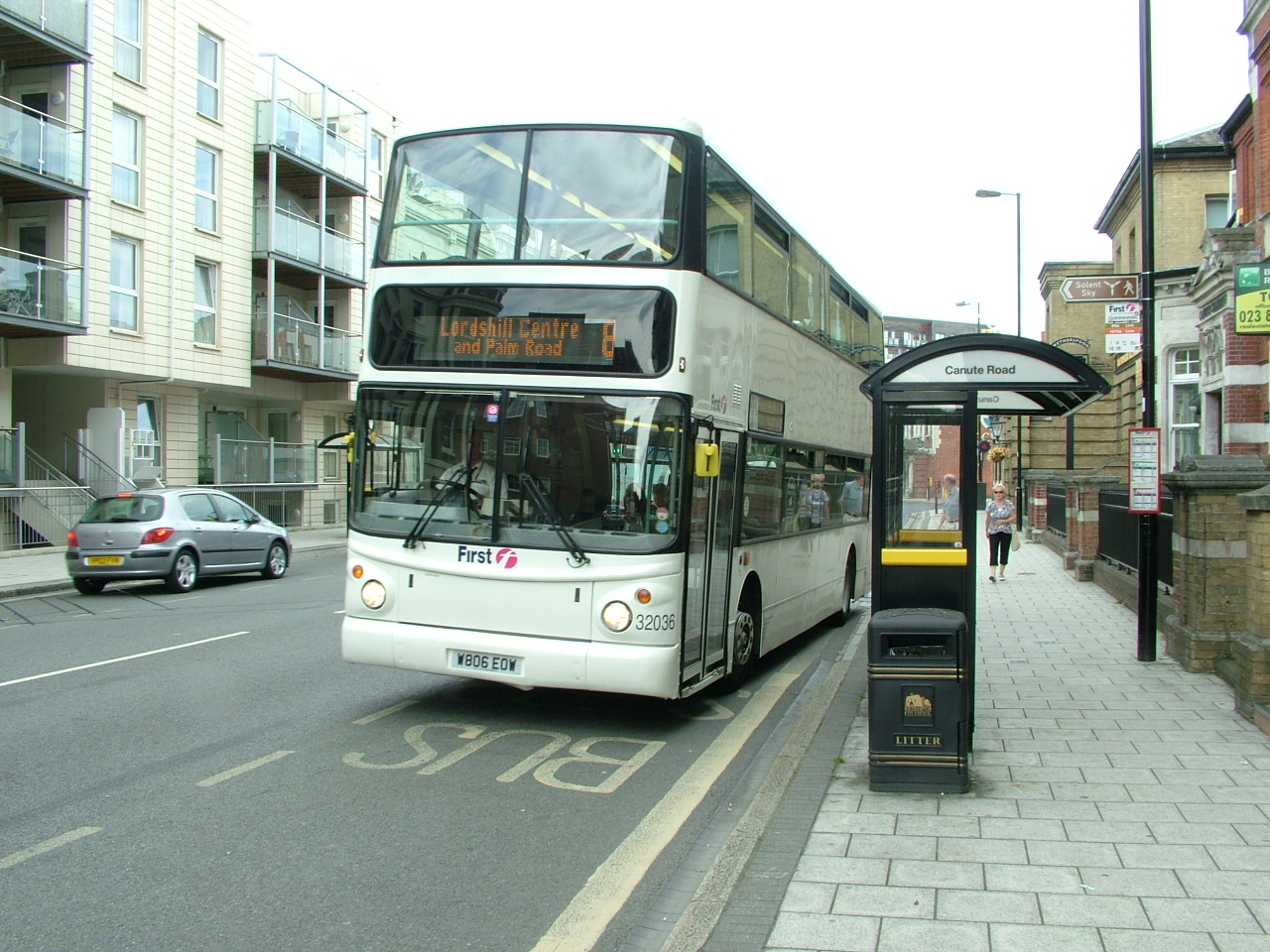 File Bus In Canute Road Southampton Geograph Org Uk