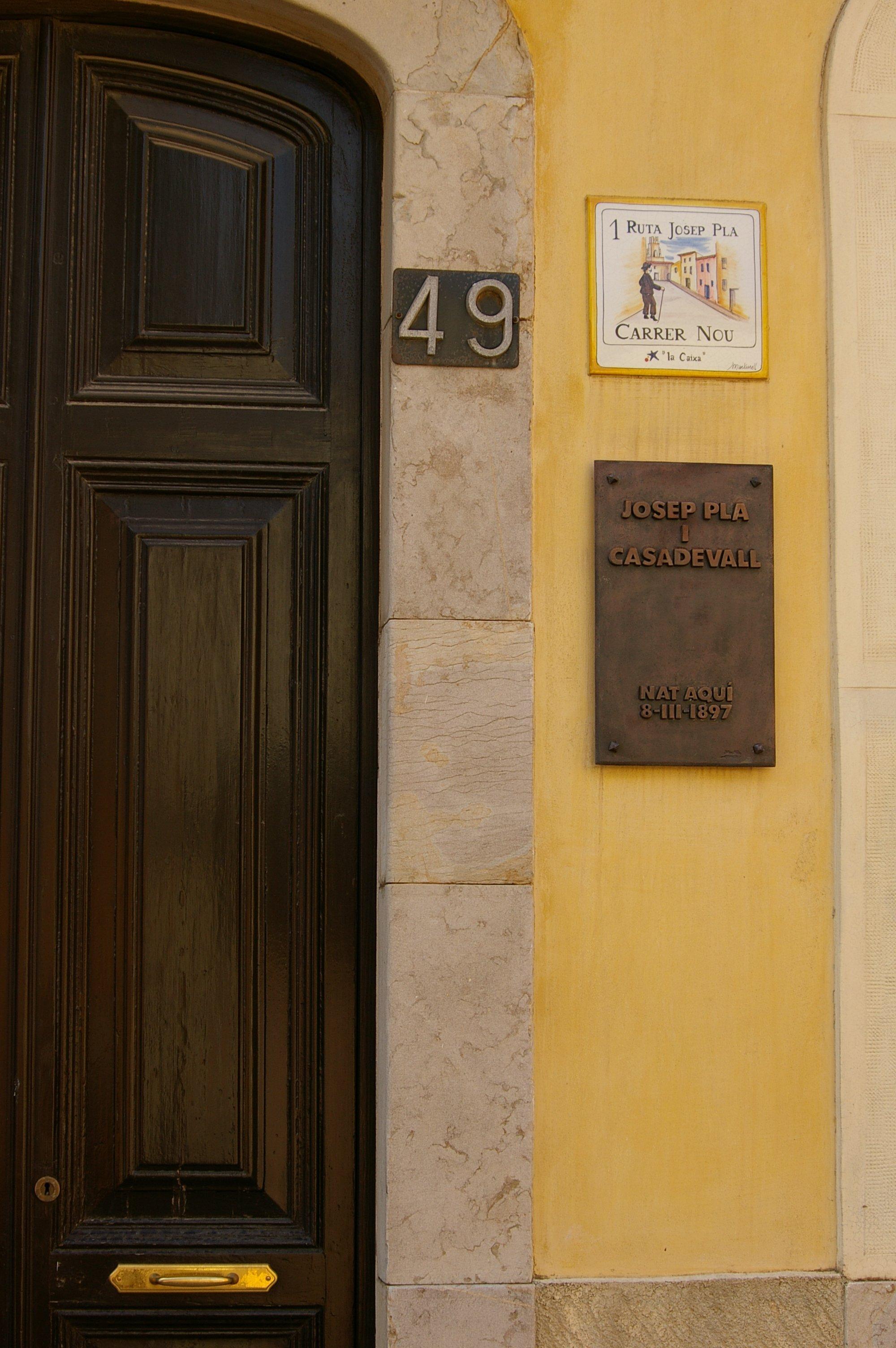 Casa natal de Josep Pla, en la calle Nueva (carrer Nou) de Palafrugell.