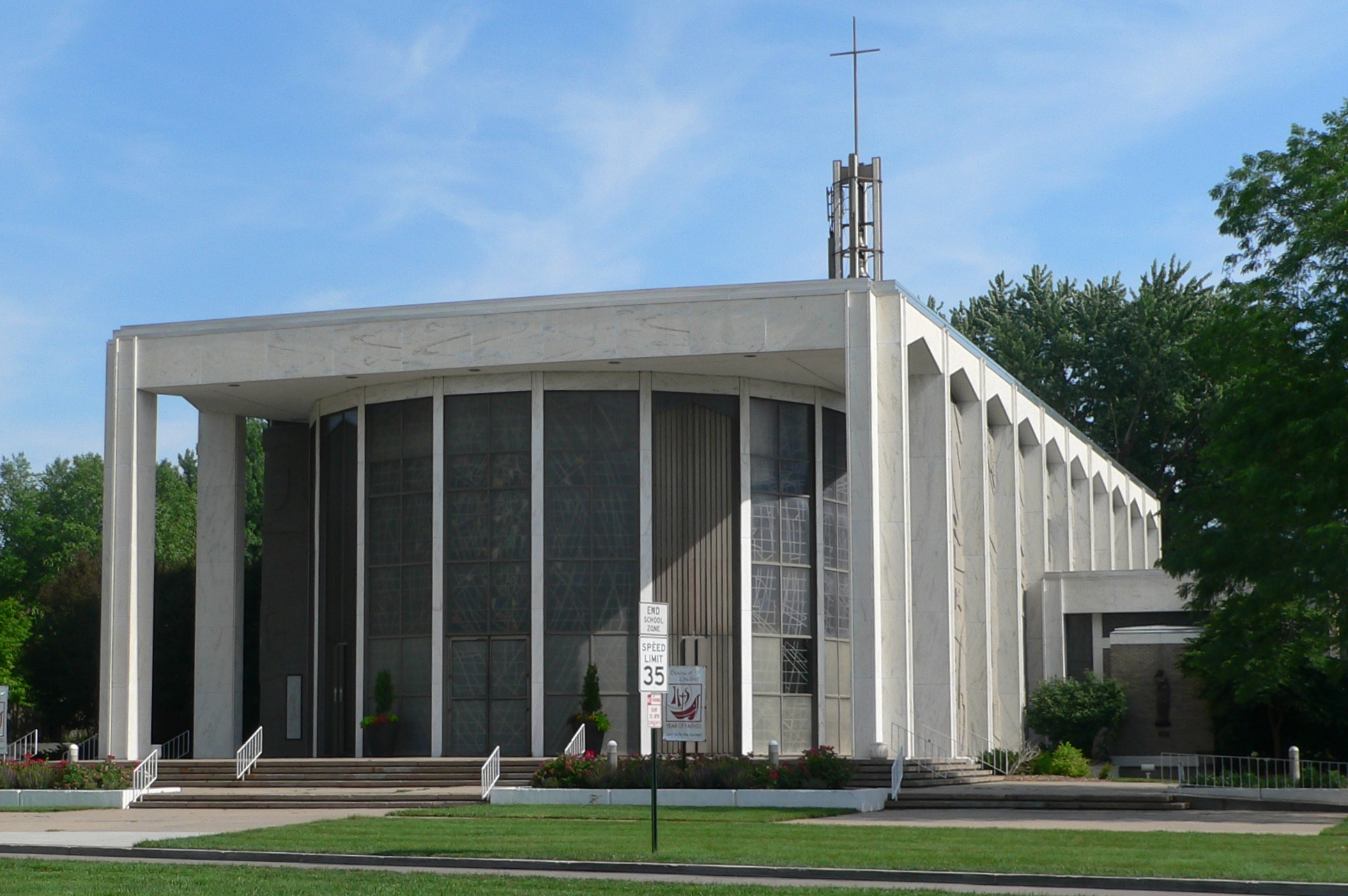 Cathedral Of The Risen Christ Lincoln Roadtrippers