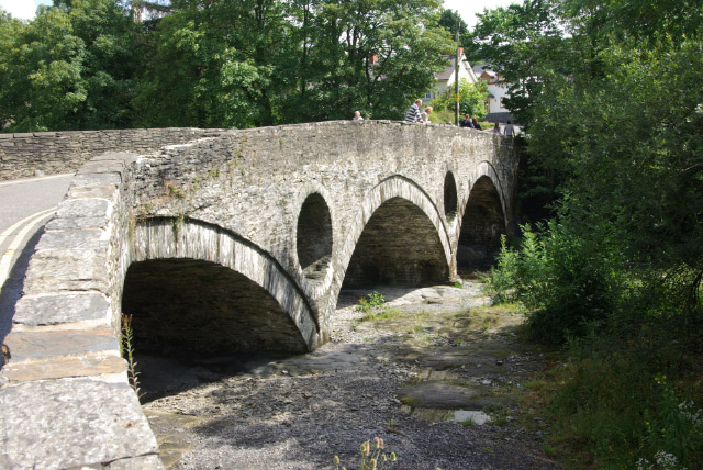 Cenarth Bridge - geograph.org.uk - 504187