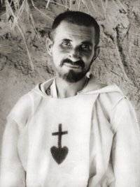http://upload.wikimedia.org/wikipedia/commons/6/60/Charles_de_Foucauld.jpg