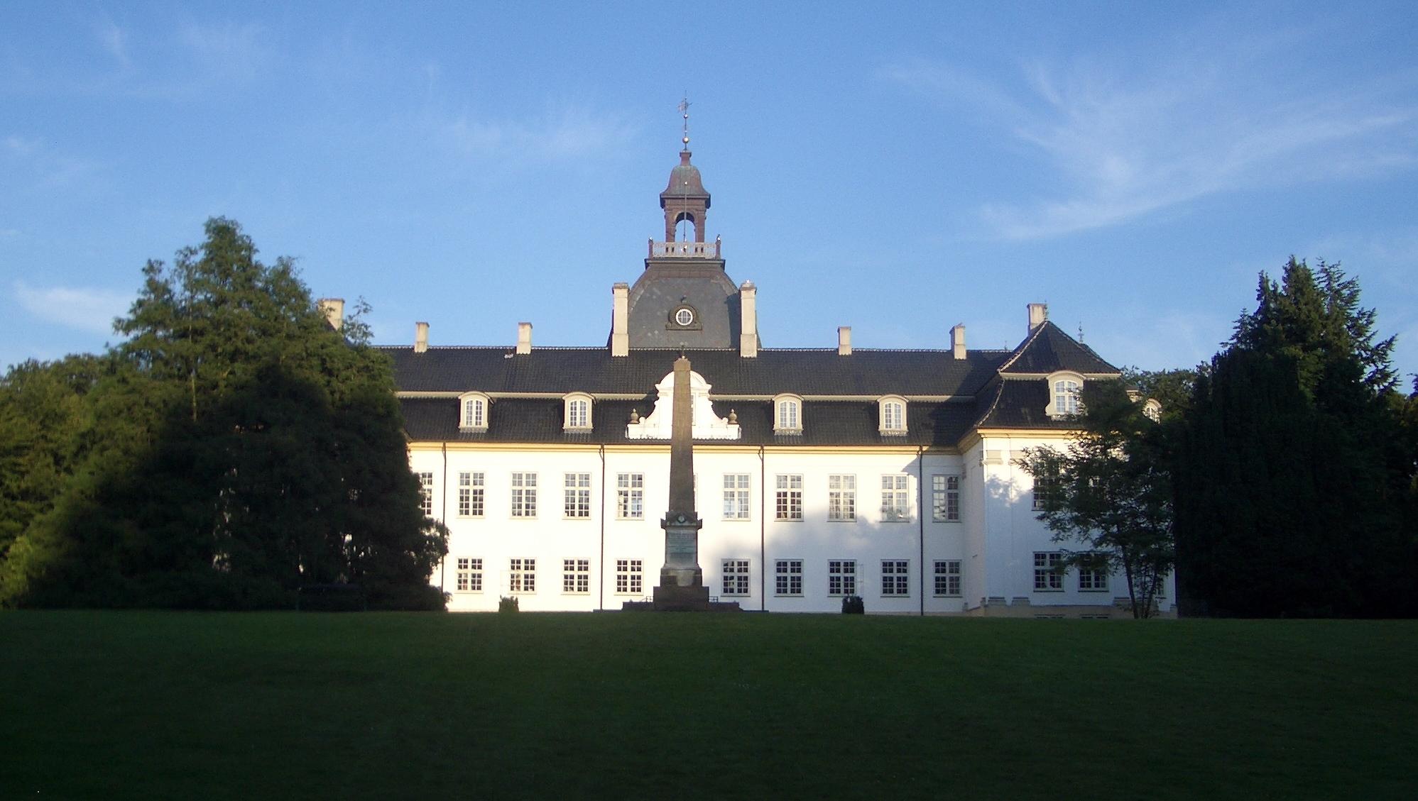 File Charlottenlund Slot 3 Jpg Wikimedia Commons