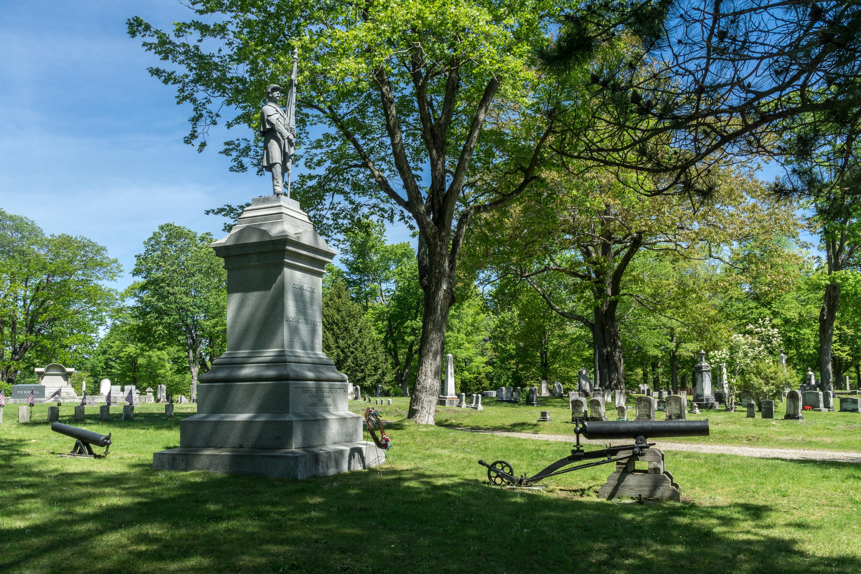 File Civil War Memorial Evergreen Cemetery Portland Maine side