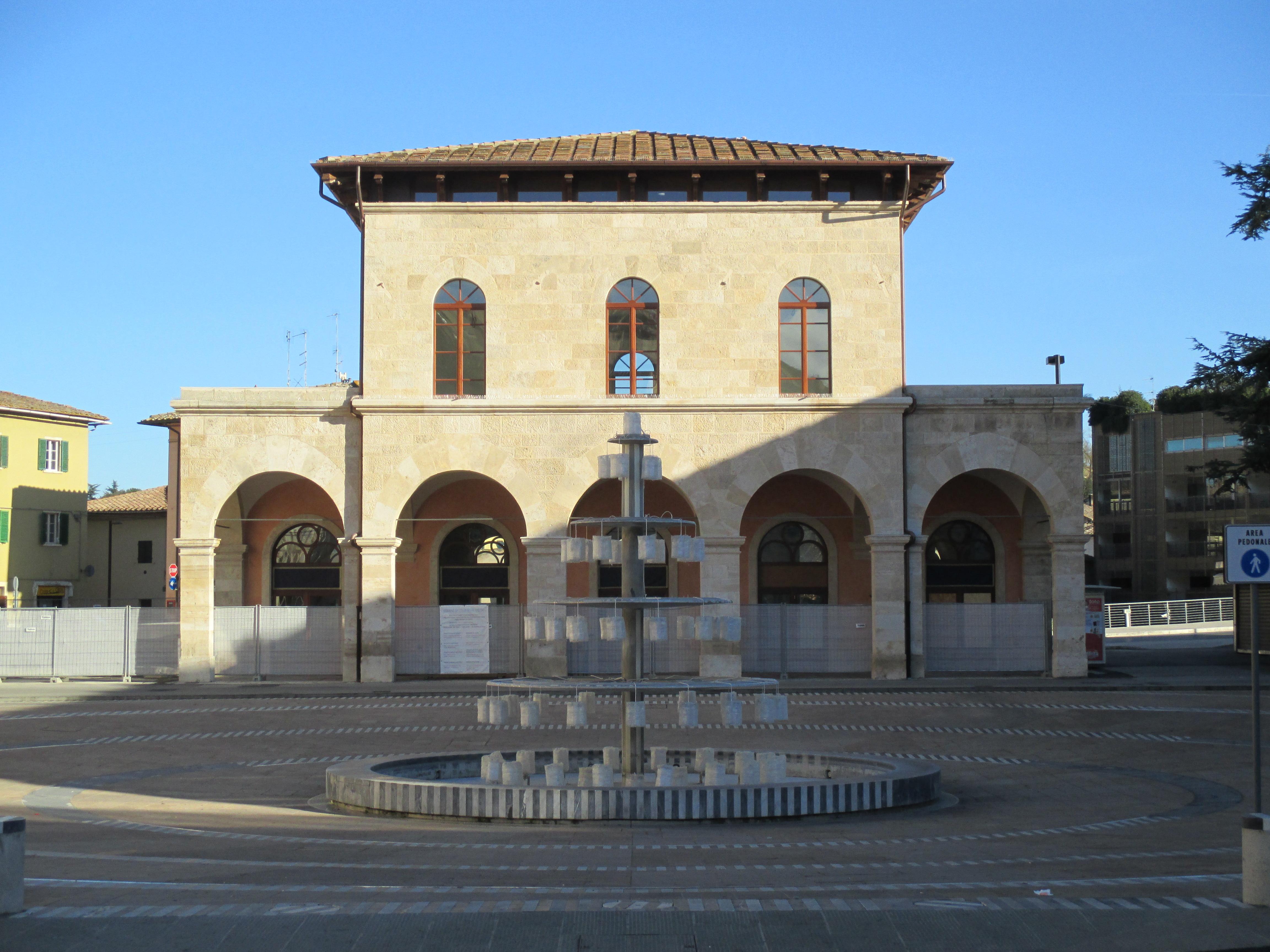 Colle Val d'Elsa -Ex Stazione Ferroviaria-.JPG
