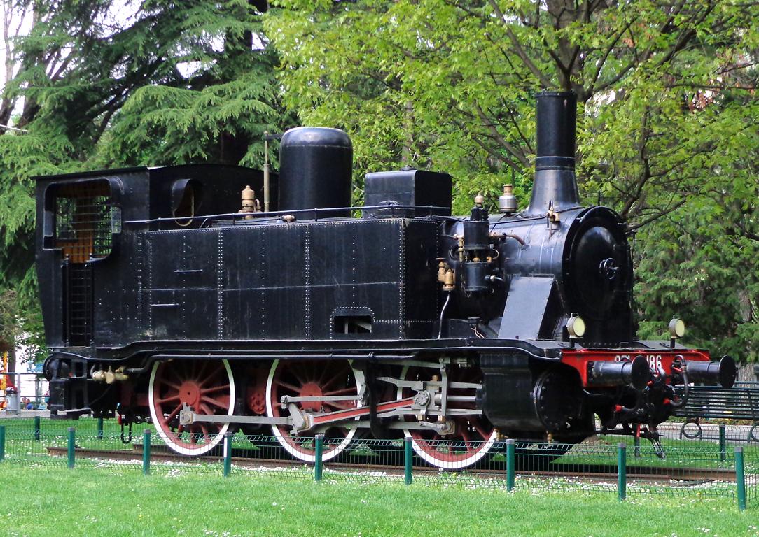 I Treni 256 2004 Locomotive ALe883 nonsolo vapore