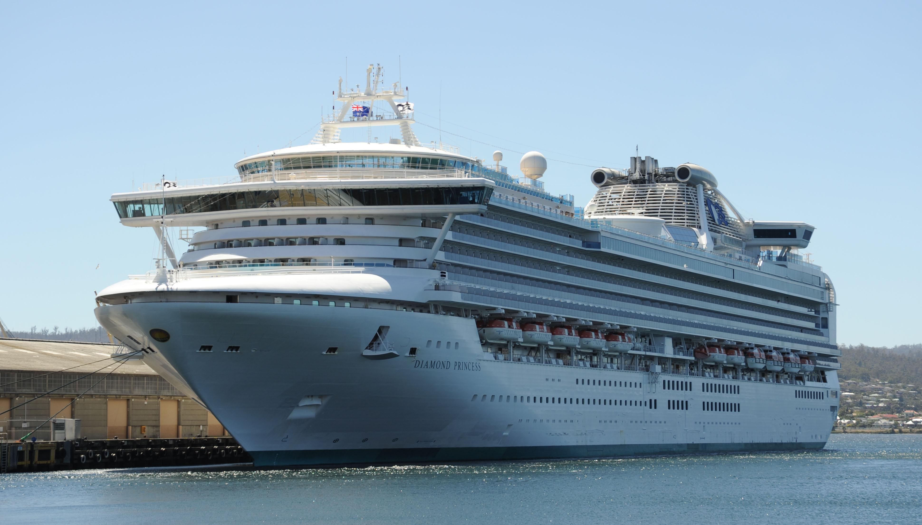 Diamond Princess in Hobart.jpg