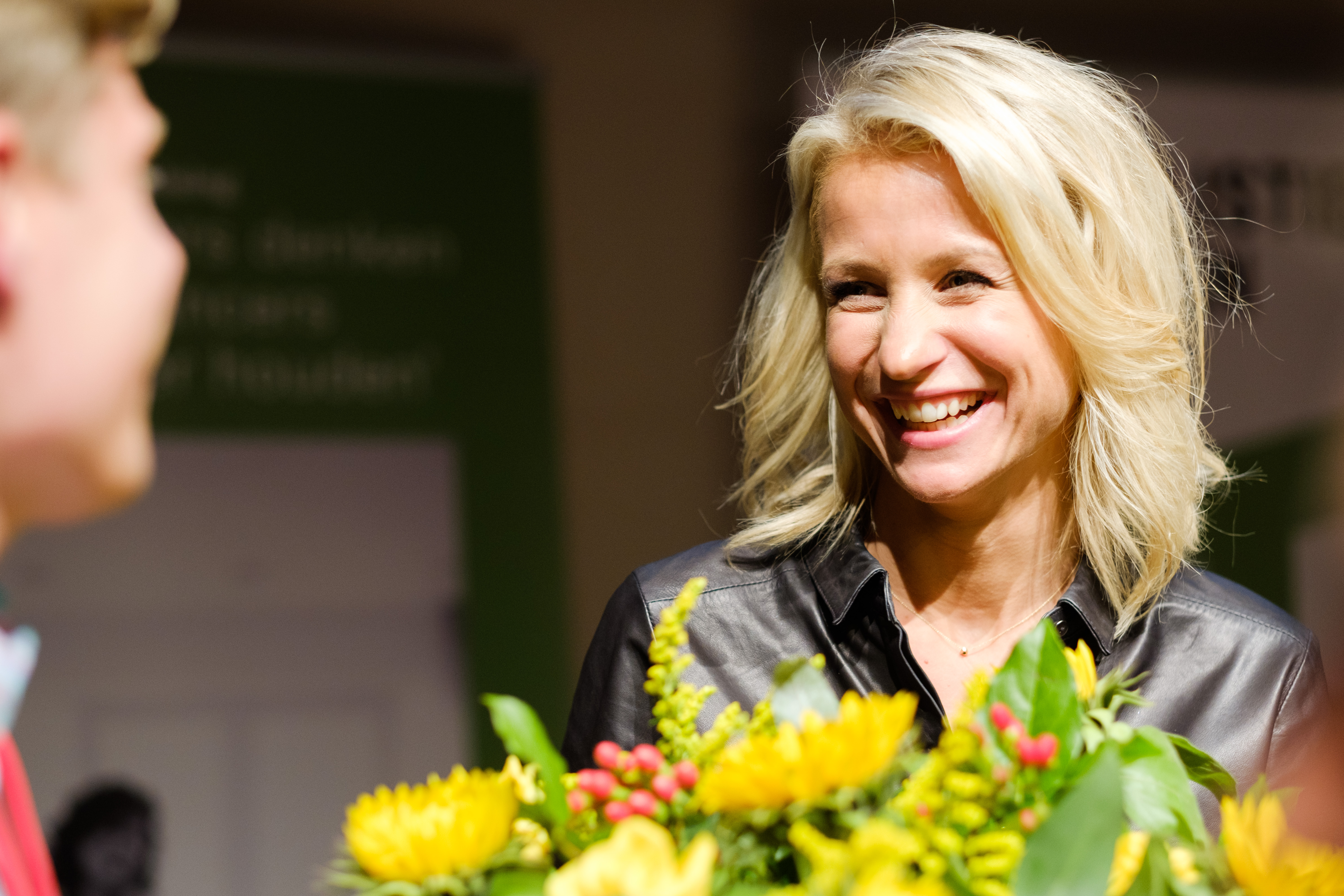 The 33-year old daughter of father (?) and mother(?) Dionne Stax in 2018 photo. Dionne Stax earned a  million dollar salary - leaving the net worth at 0.2 million in 2018