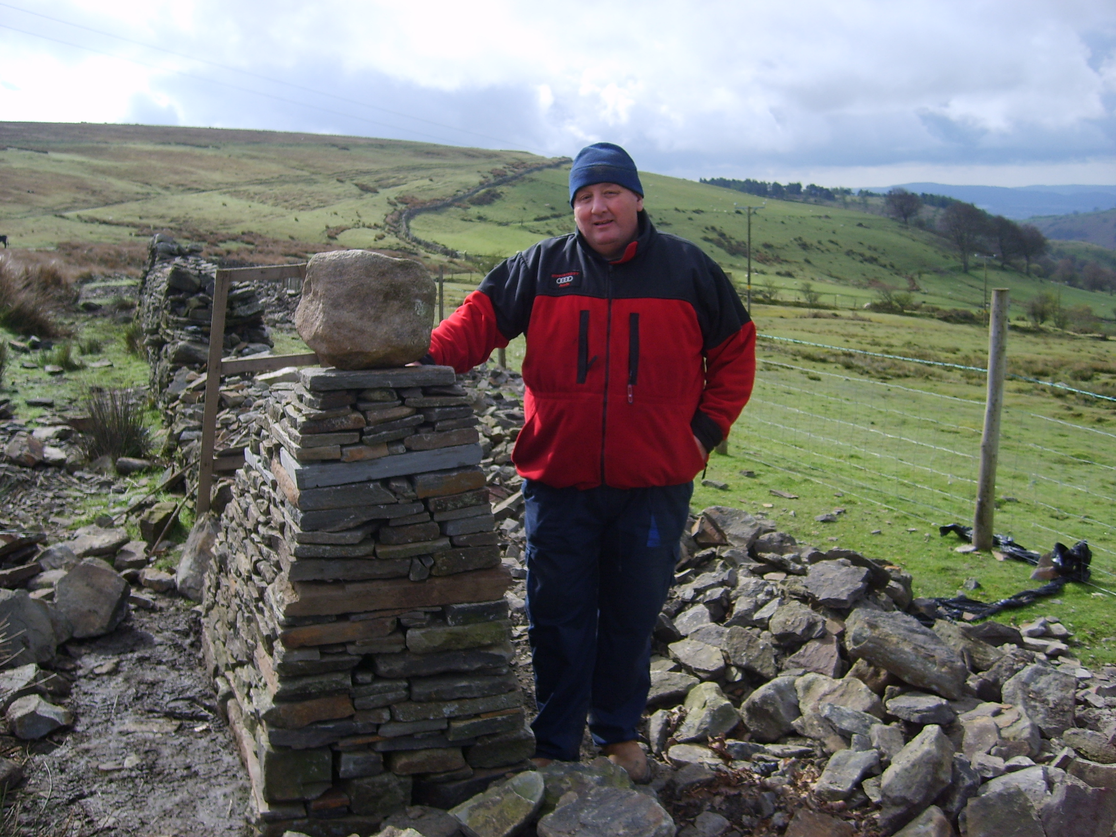File Dry Stone Wall Building Jpg Wikimedia Commons