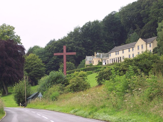 Entry into Ampleforth - geograph.org.uk - 496317