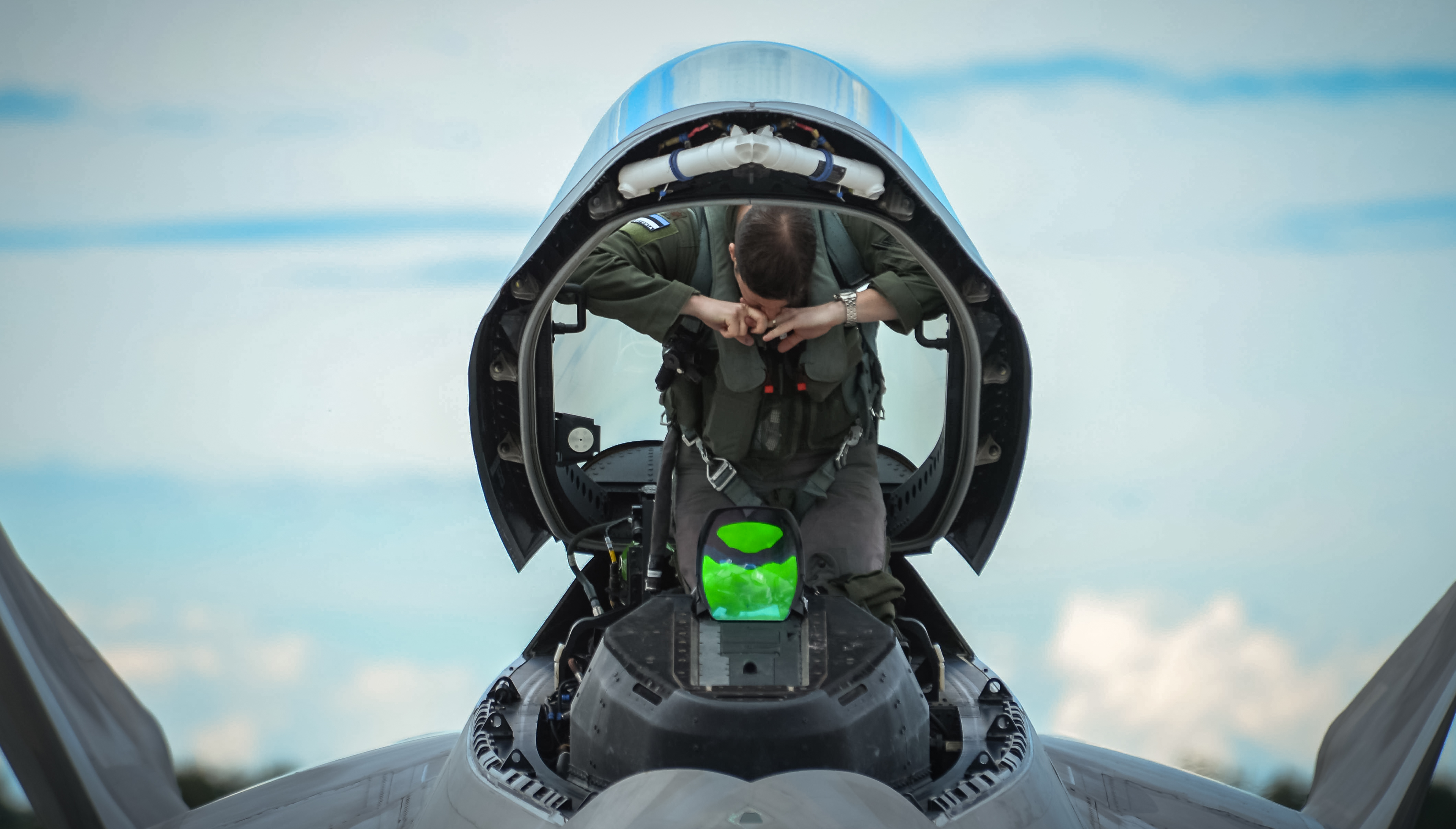 File:F-22 Raptor at Ämari Air Base, Estonia, Sept. 4, 2015 ... Usaf Fighter Pilot F 22