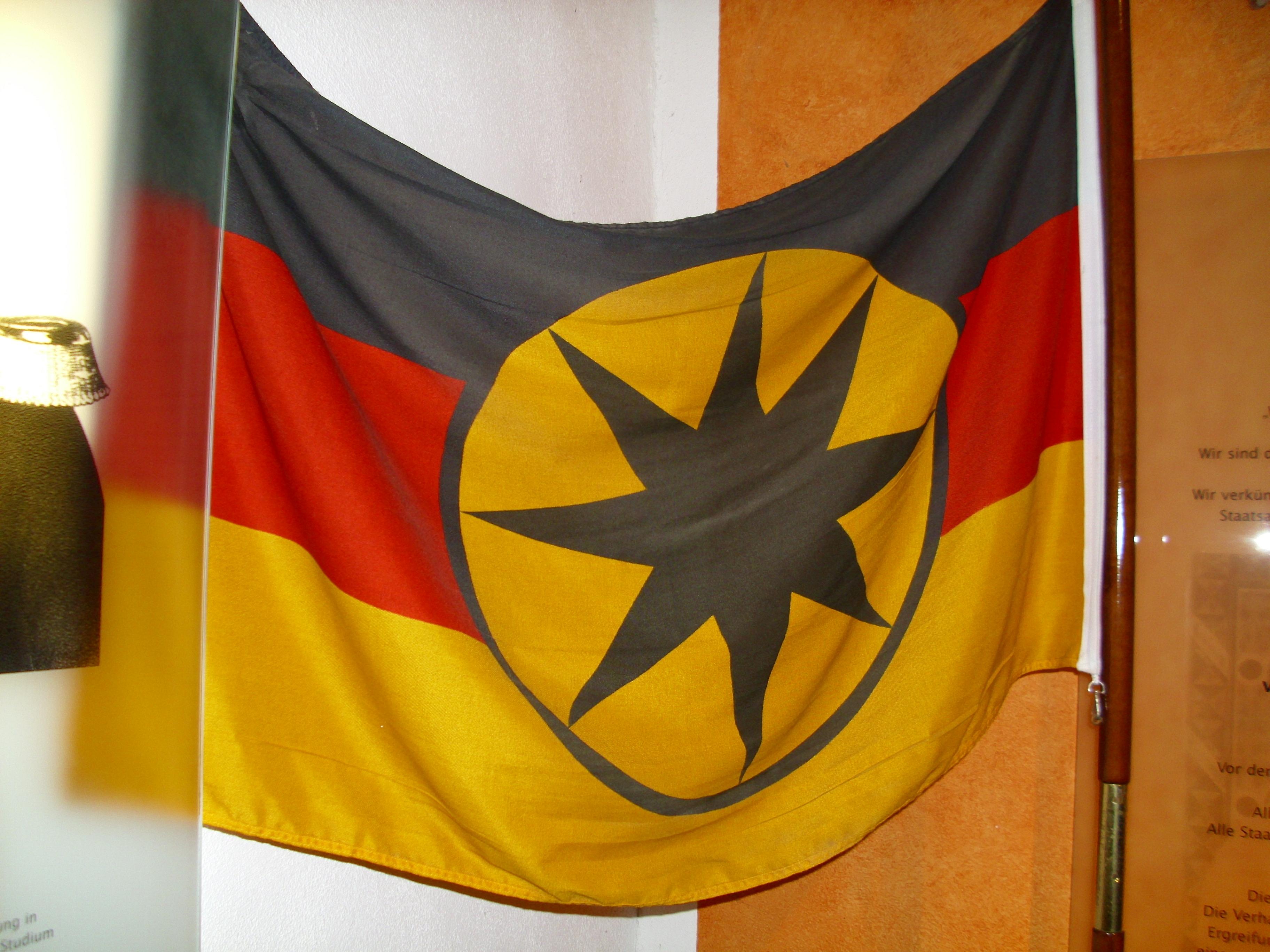 Flagge Waldeck-Pyrmonts im Schlossmuseum Waldeck