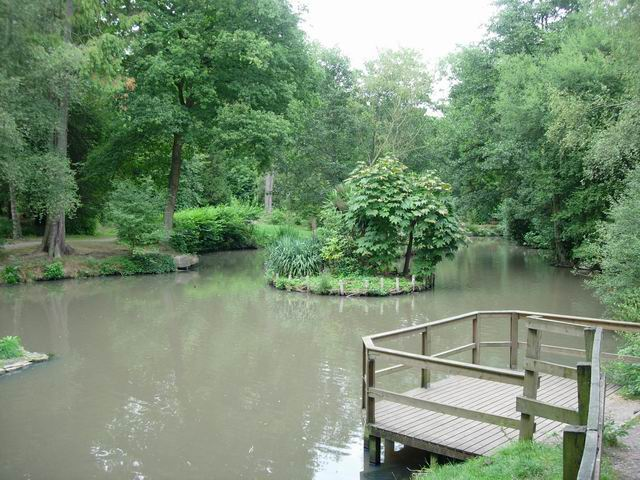 Holly Hill Woodland Park - geograph.org.uk - 225761