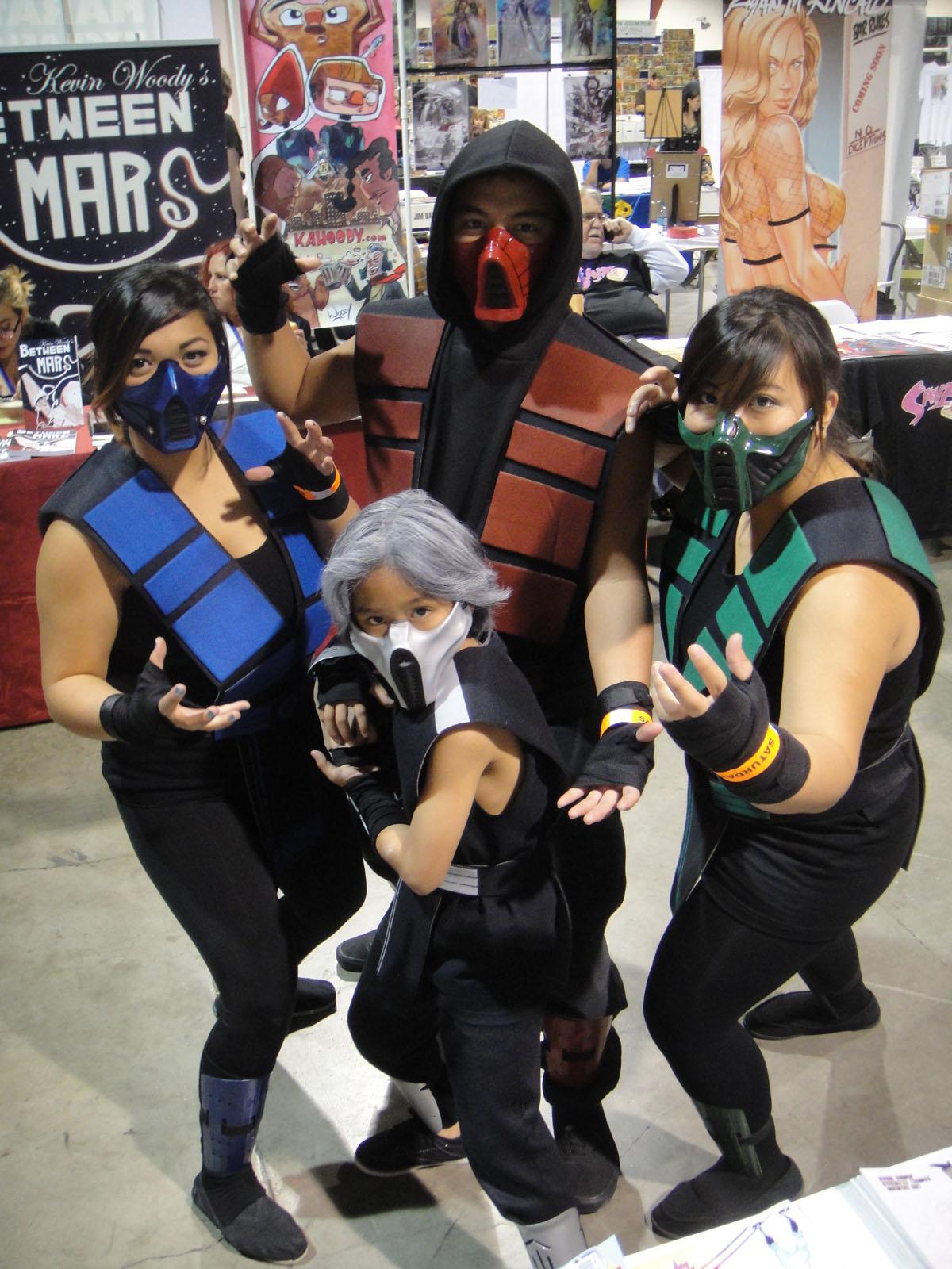 File:Long Beach Comic & Horror Con 2011 - Mortal Kombat family