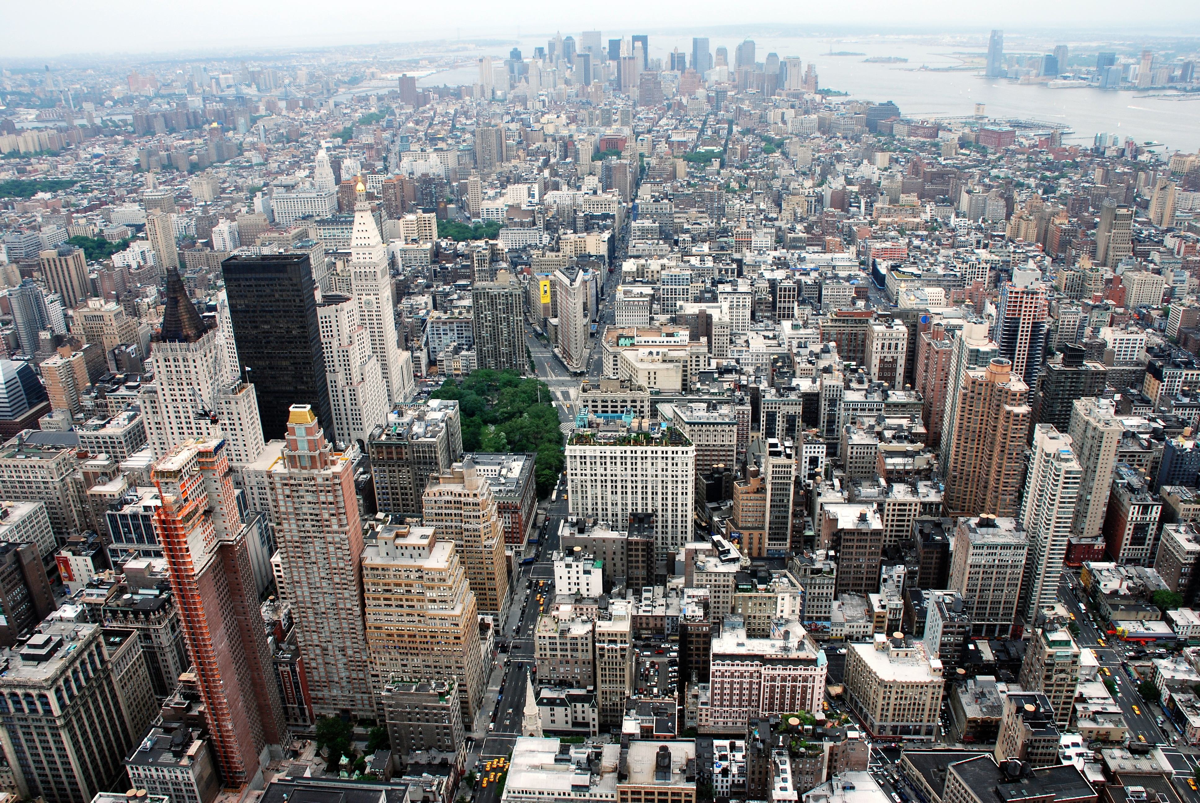 Who Owns Most Of The Building In New York