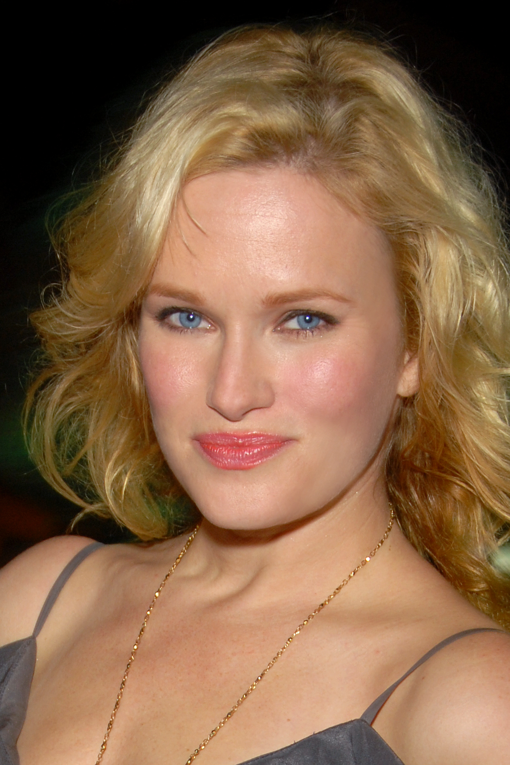 Nicholle Tom - Wikipedia, the free encyclopedia