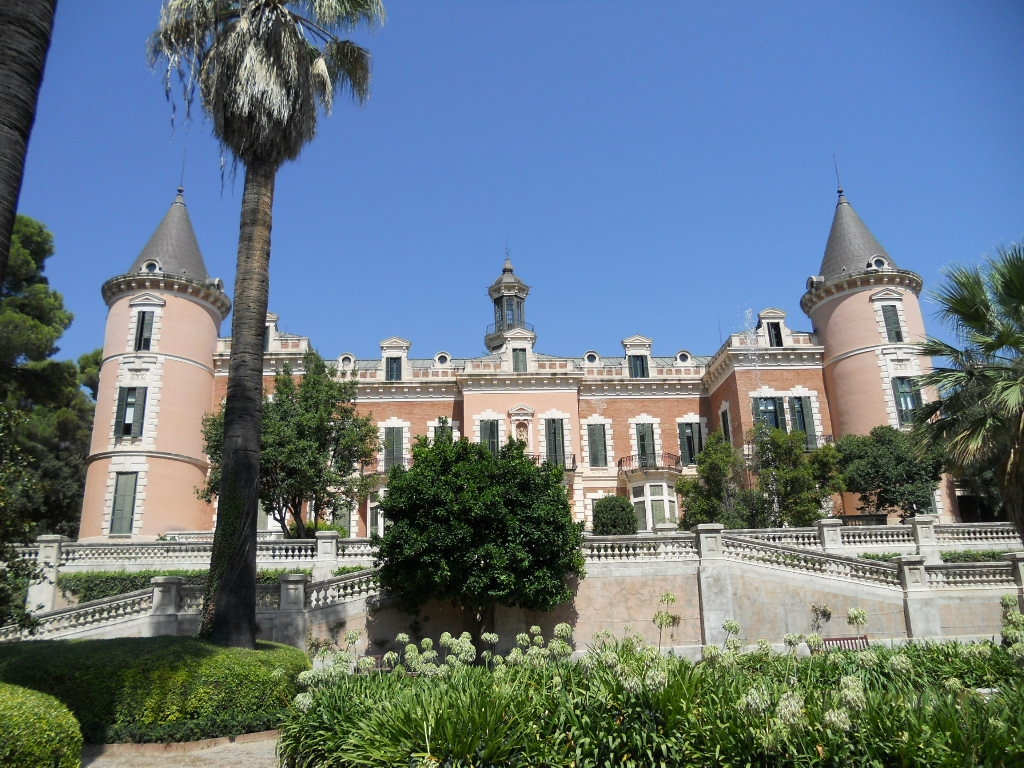 Palau de les Heures (Palace of the Ivies)