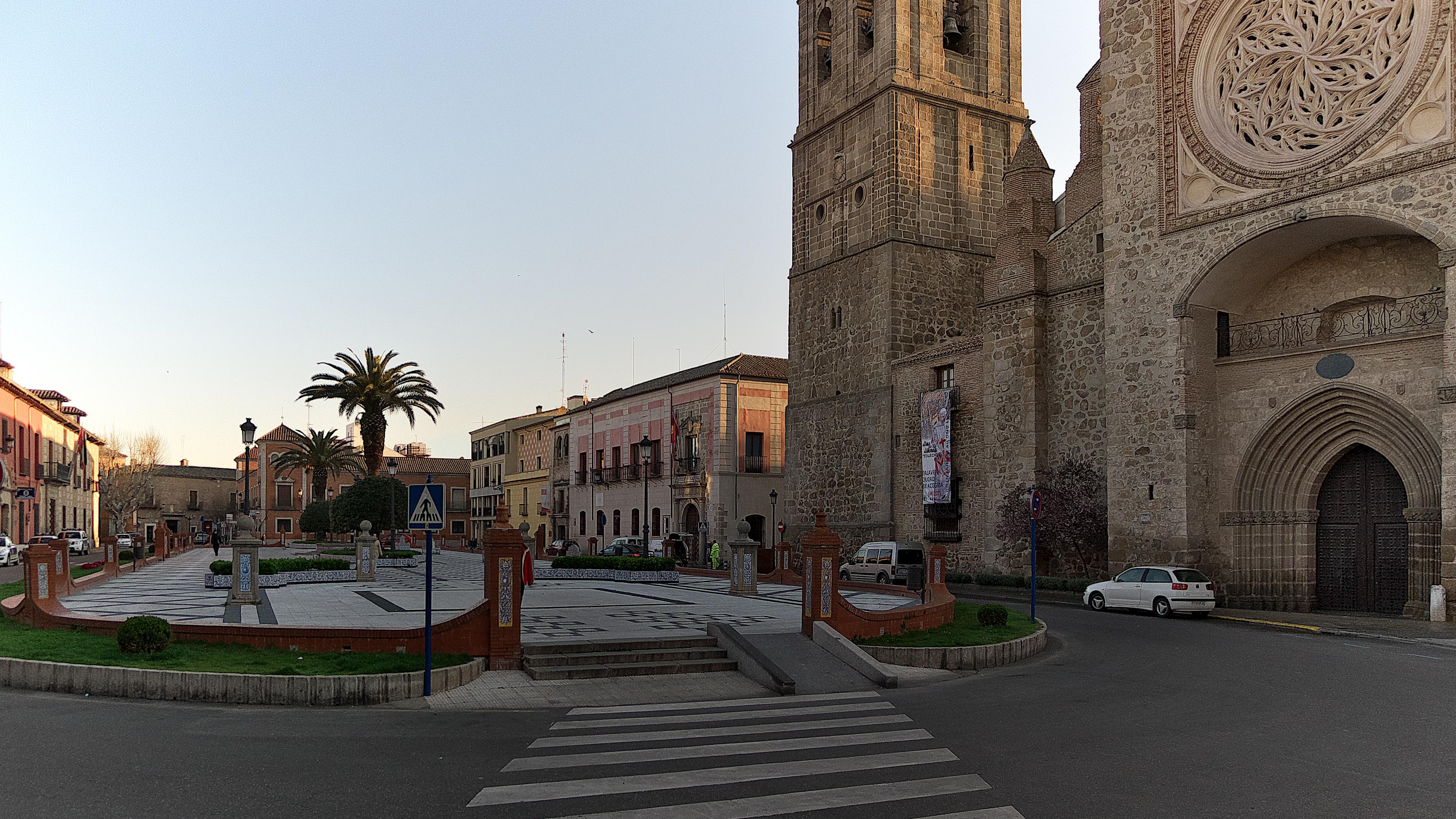 File plaza del pan talavera de la wikimedia - La reina del mueble talavera ...