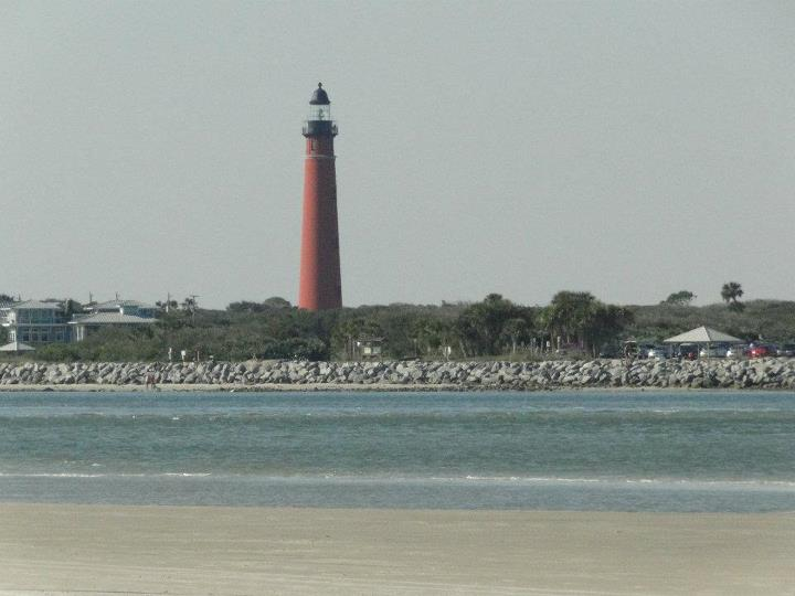 https://commons.wikimedia.org/wiki/File%3APonce_de_Leon_Inlet_Lighthouse-Florida.jpg