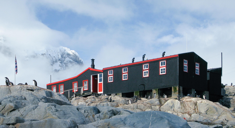 File port lockroy antarctic peninsula wikimedia for Port lockroy
