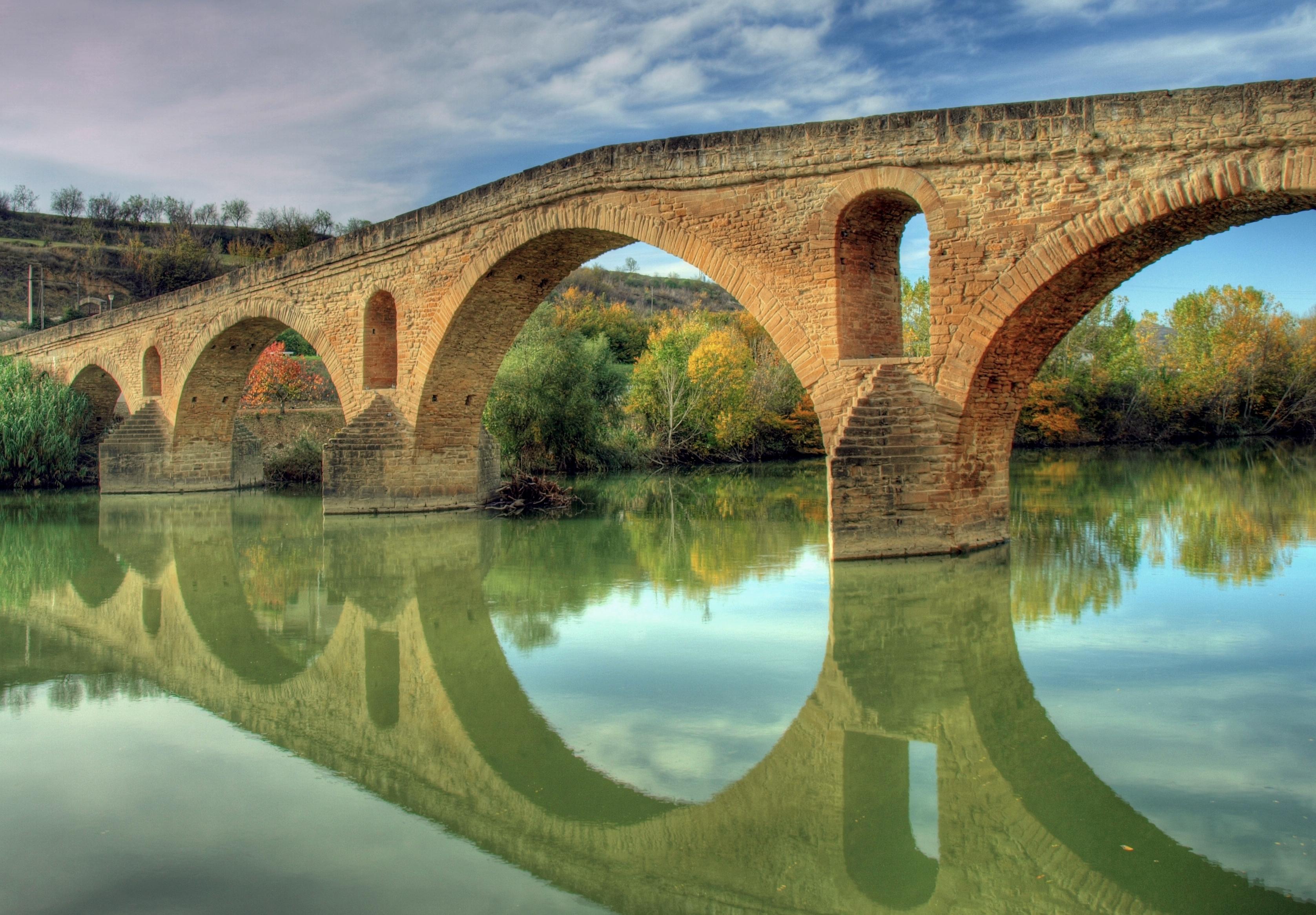 Archivo:Puente la Reina.jpg - Wikipedia, la enciclopedia libre