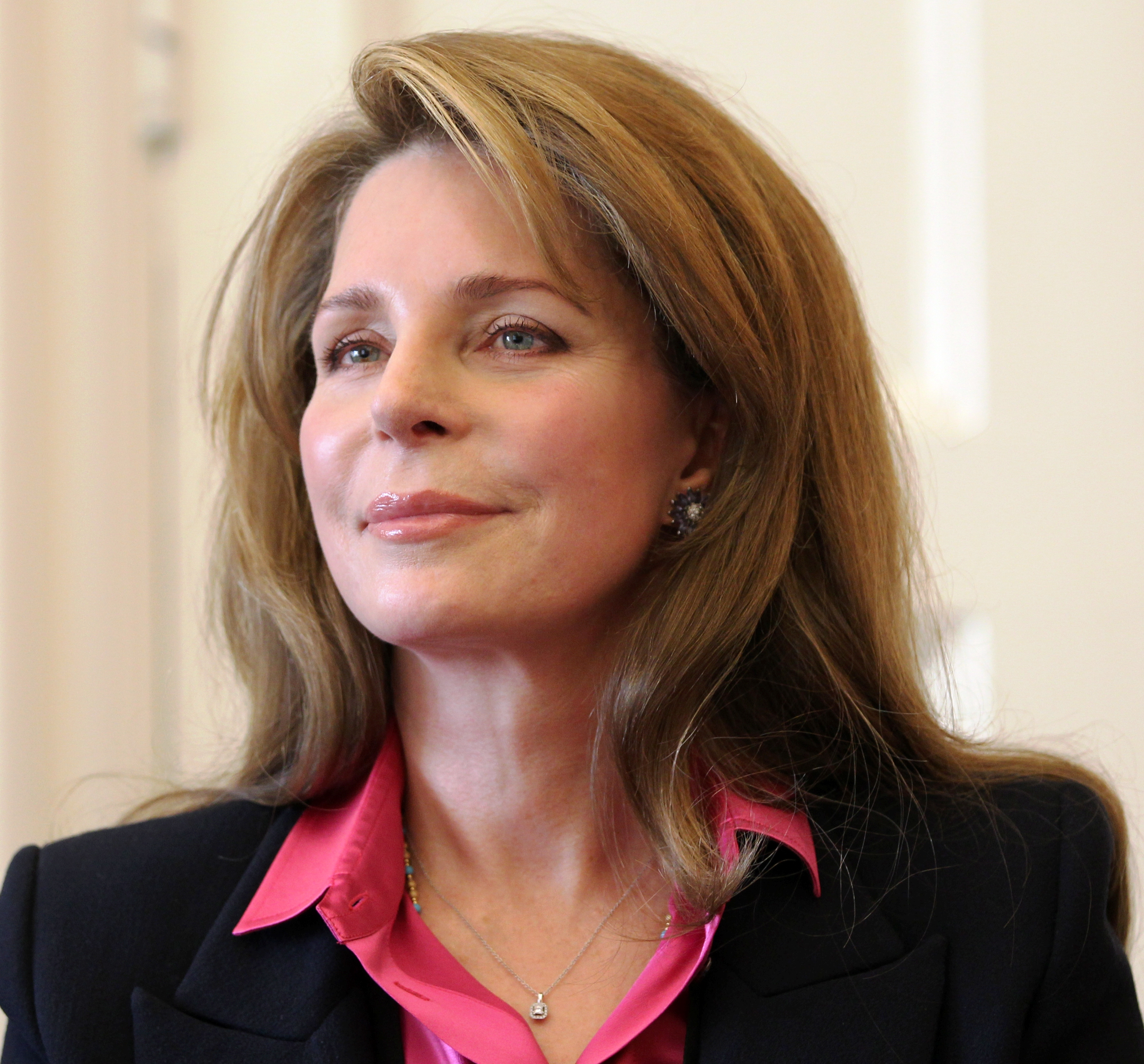 Queen Noor And Queen Rania Queen Noor Jordan 2011.jpg
