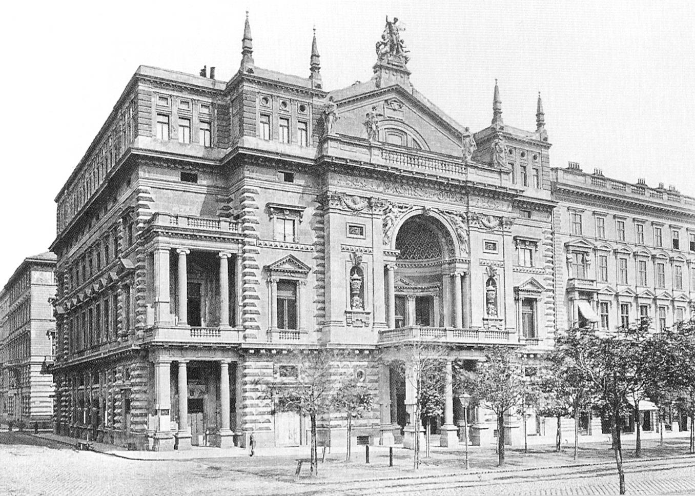 ringtheater vor1881.jpg