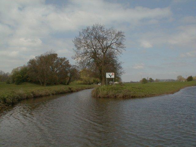 Ripon Canal - geograph.org.uk - 5191