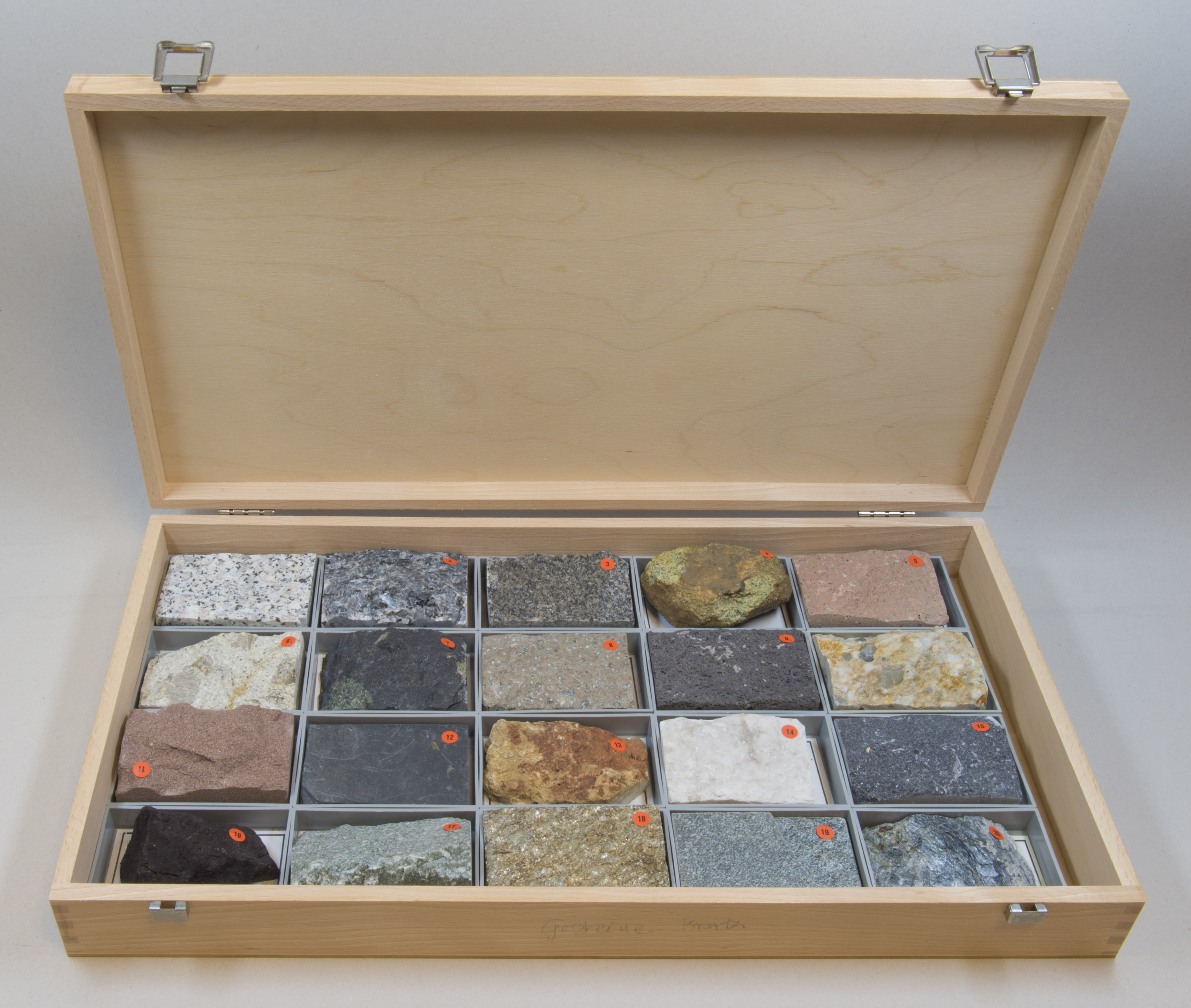 File:Rock-collection hg jpg - Wikimedia Commons