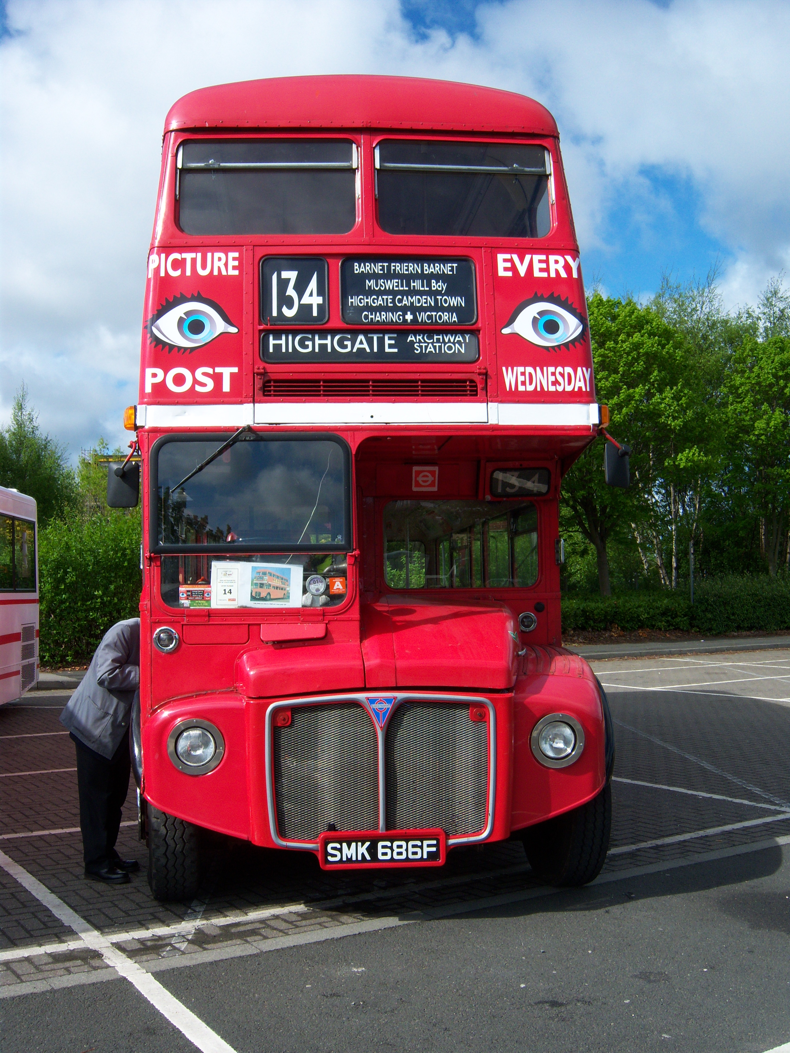 File:Routemaster bus RML 2686 Routemaster 50 livery SMK 686F Metrocentre  rally 2009 pic 4