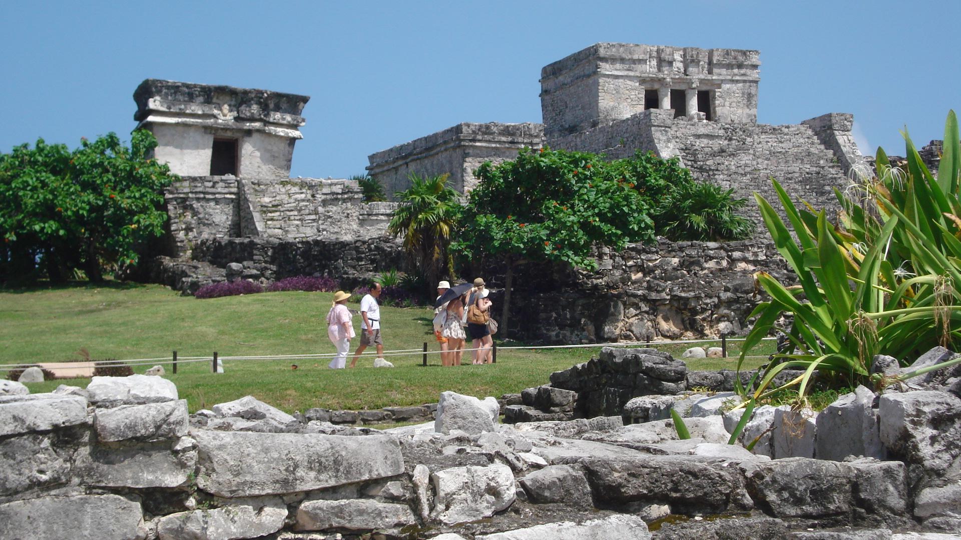 File:Ruinas mayas de tulum.JPG - Wikimedia Commons