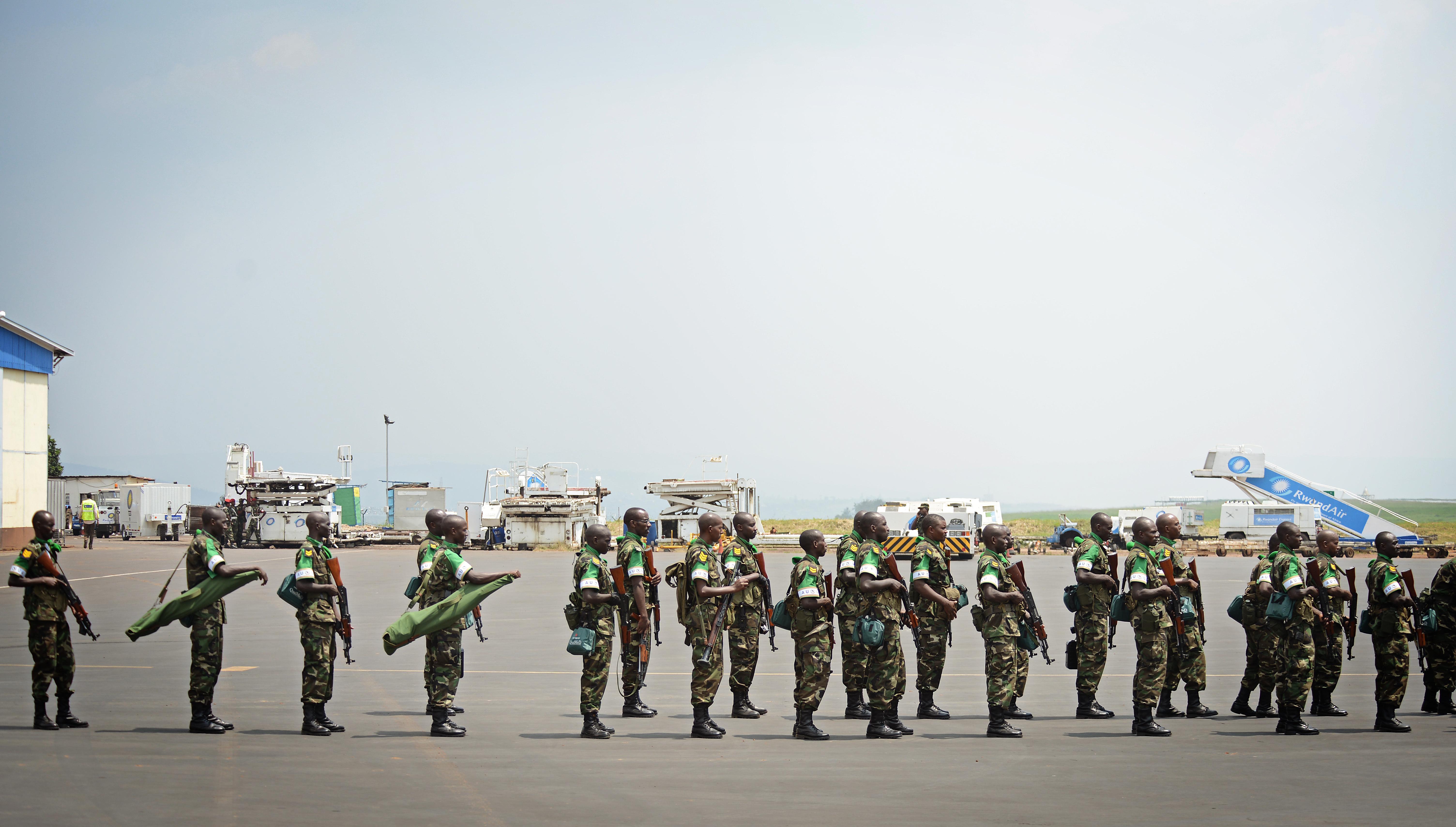 File:Rwandan soldiers wait in line to board a U.S. Air Force C-17
