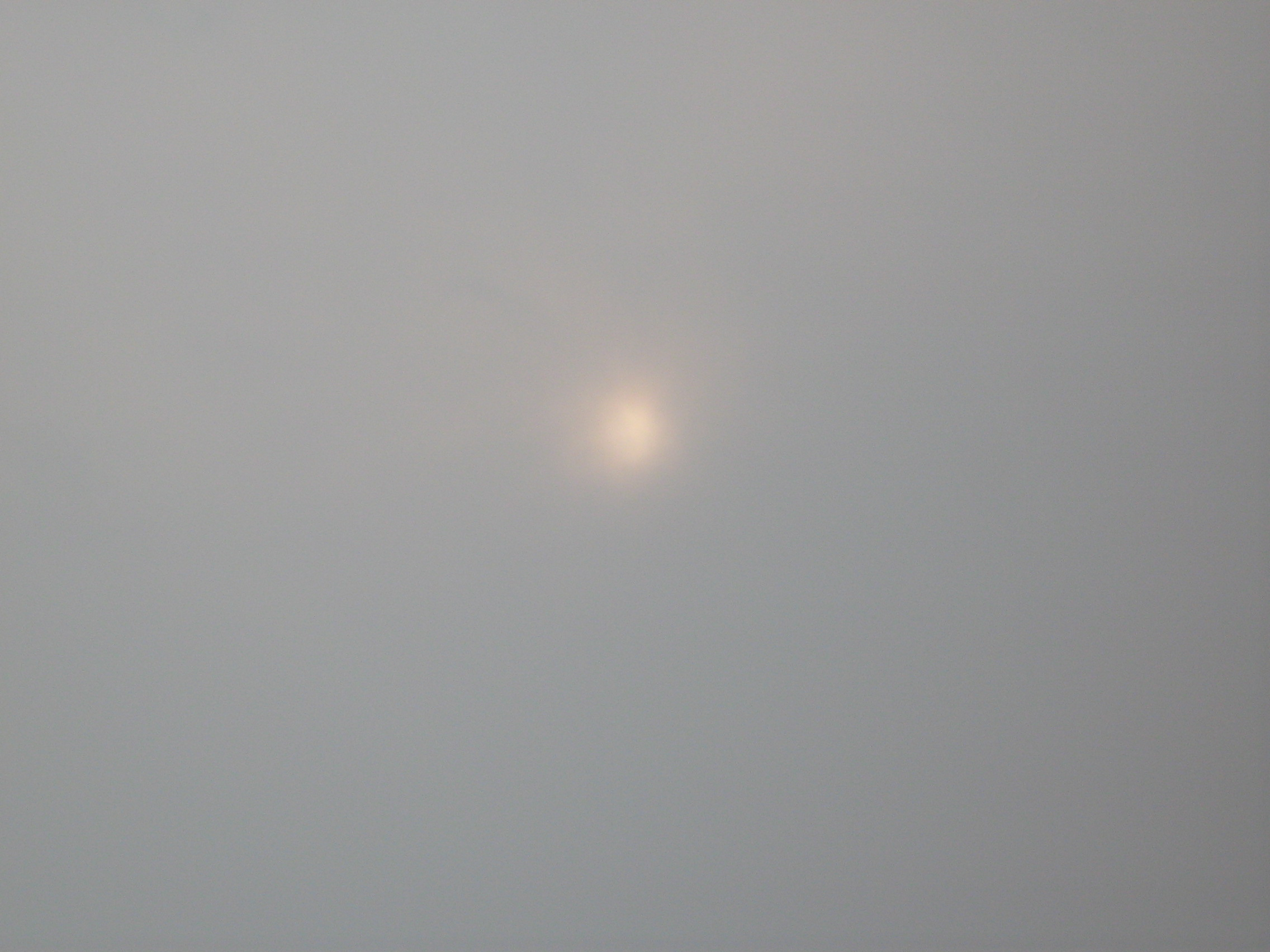 File:SG HAZE-obscured-sun.JPG - Wikimedia Commons