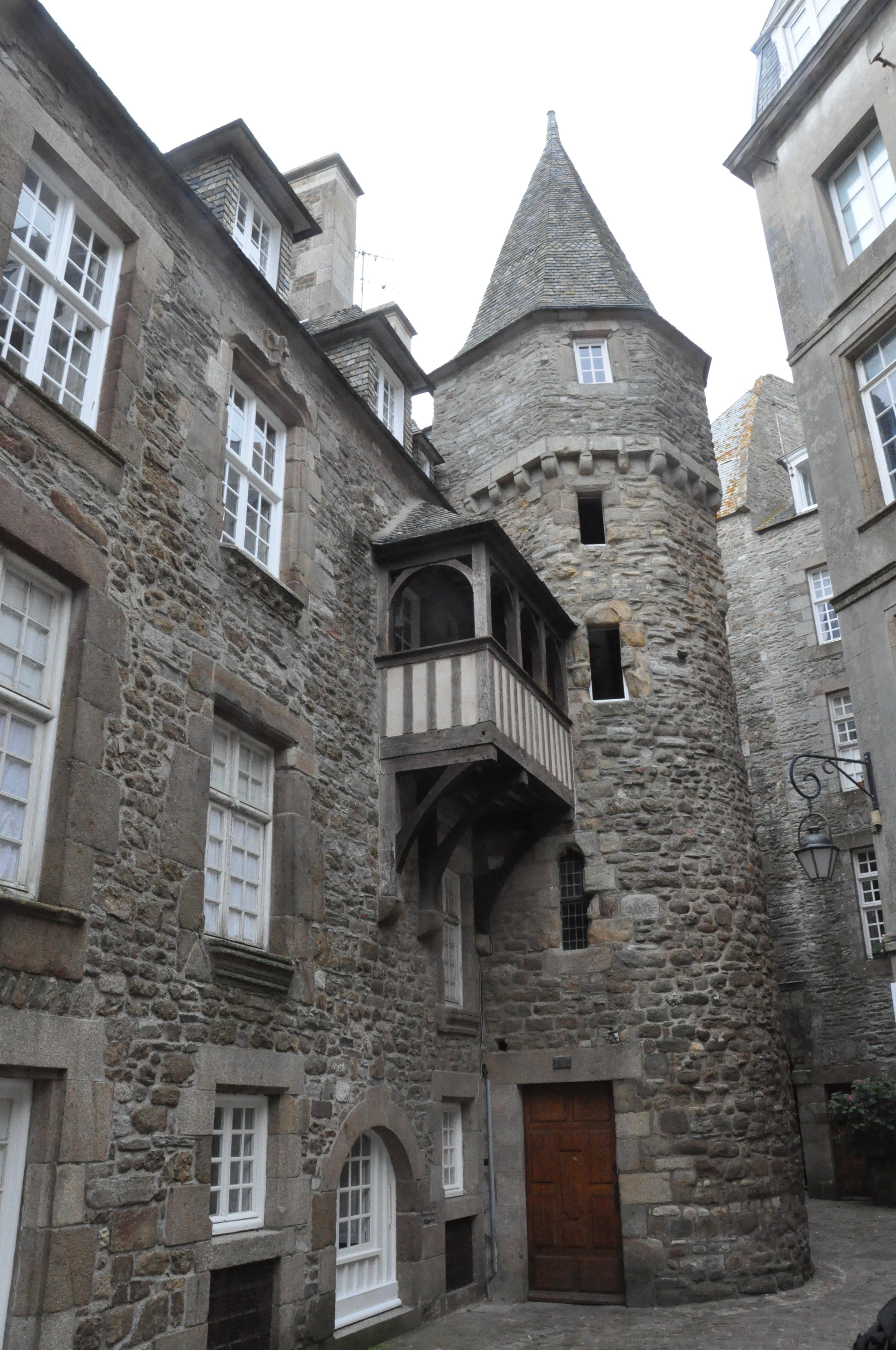 File saint malo france maison de la duchesse anne jpg wikimedia commons - La maison generale st malo ...