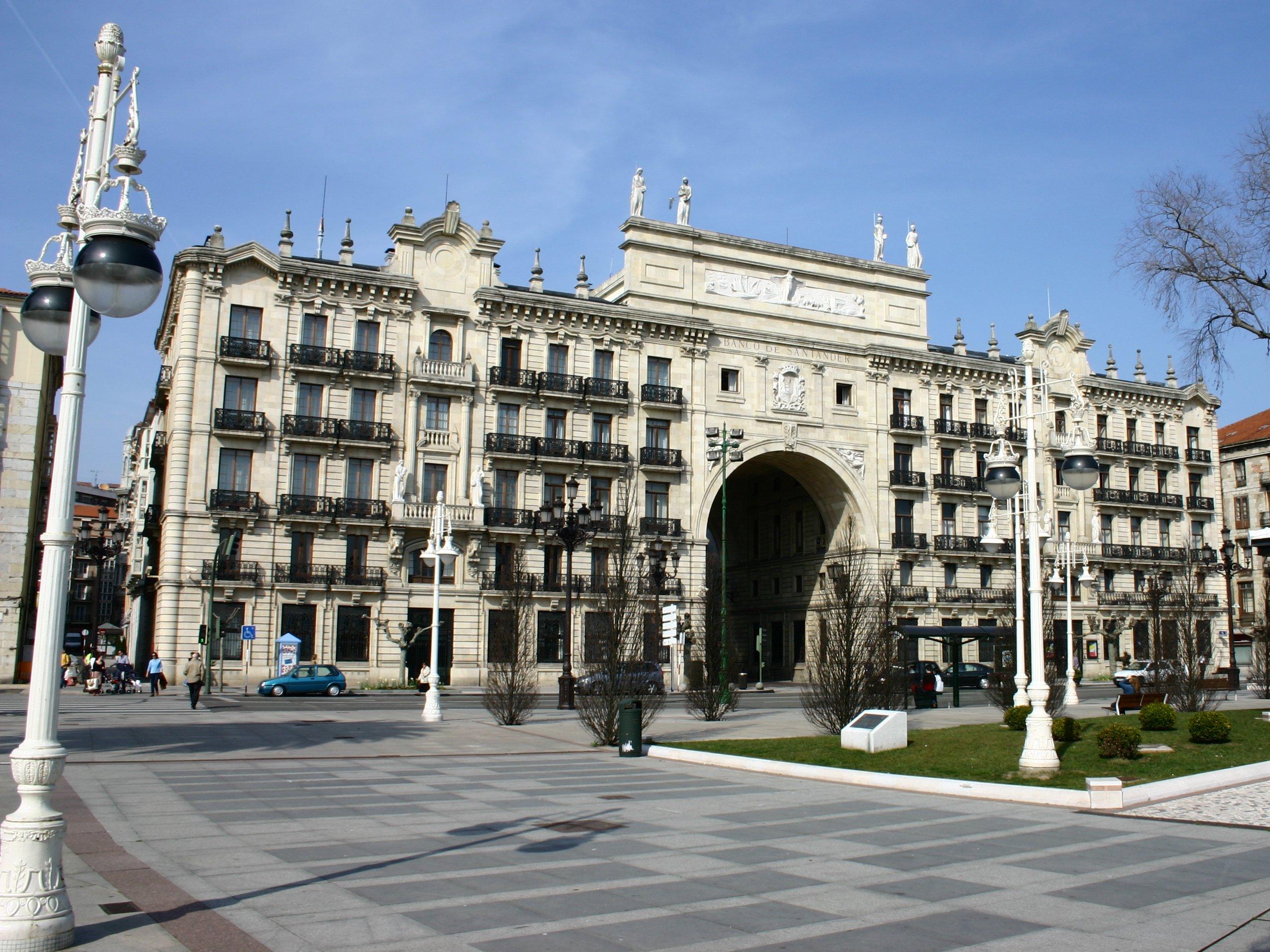 Sede del Banco Santander, en el Paseo de Pereda de Santander.
