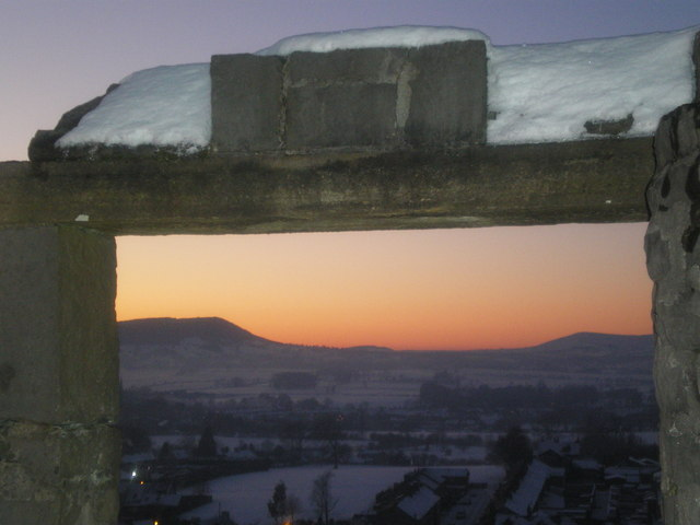 Stone framed Dusk - Kemple End, Beacon Fell, Parlick. - geograph.org.uk - 1652865