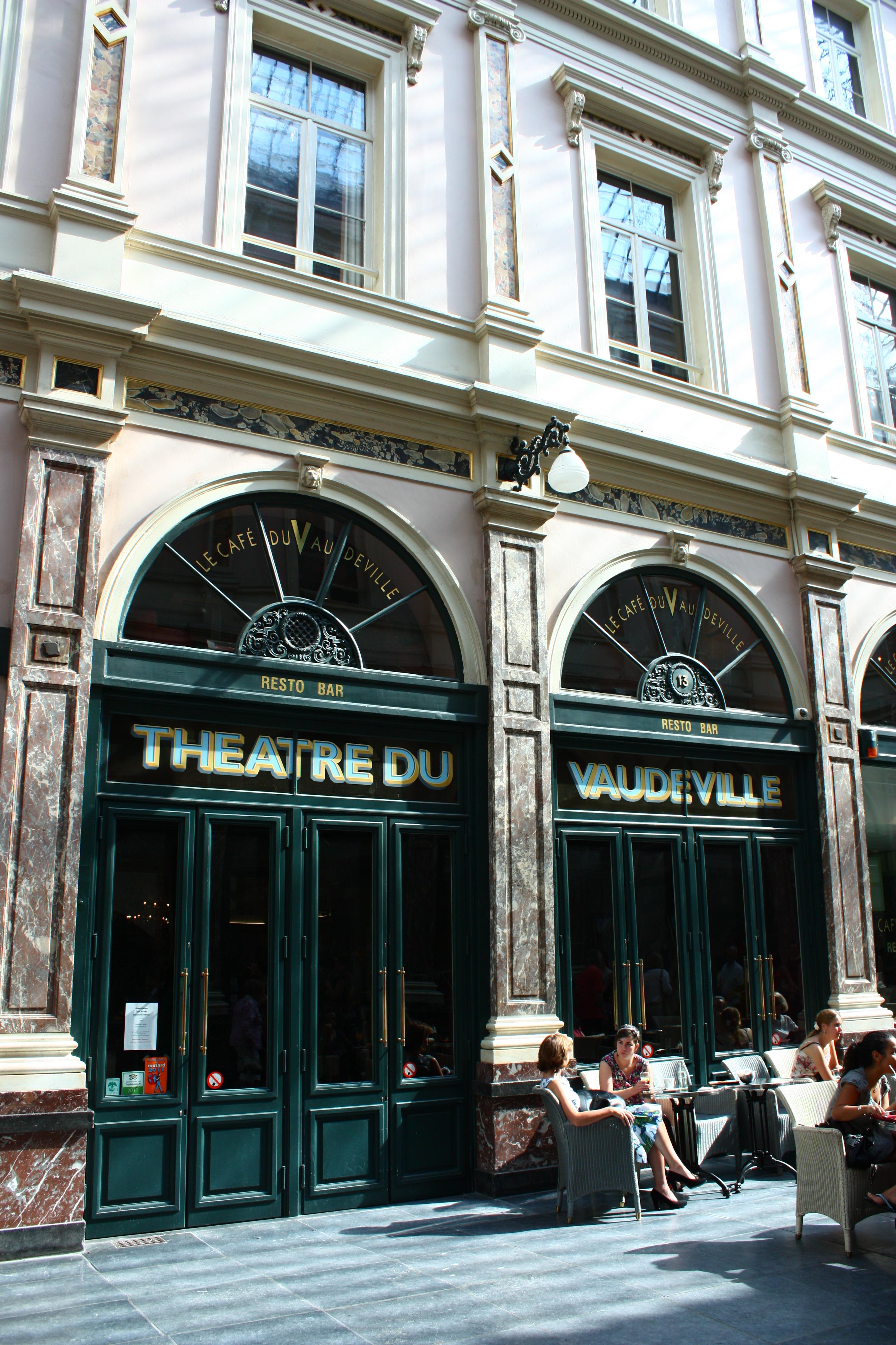Cafe Le Francais Ruesnes