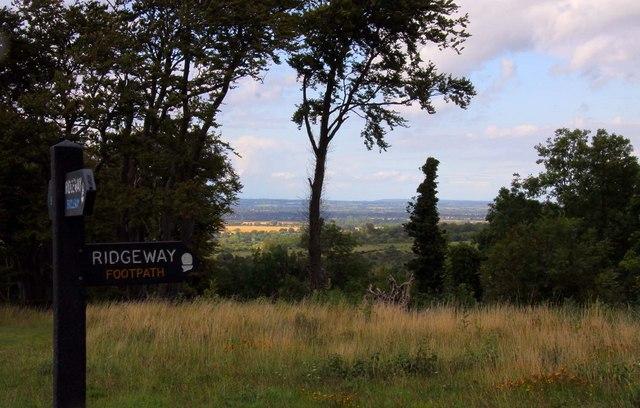 The Ridgeway on Whiteleaf Hill - geograph.org.uk - 1458761