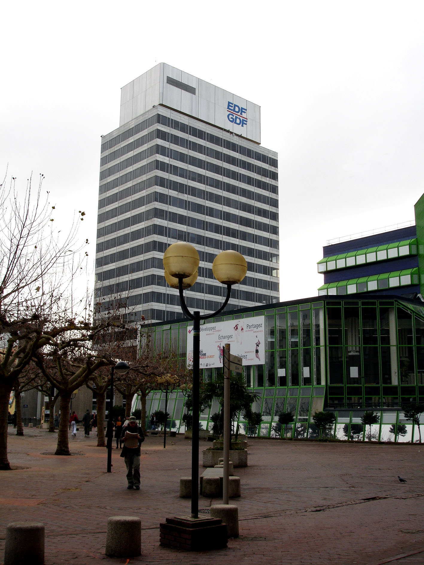 Cergy France  City new picture : Tour EDF Cergy Pontoise France Wikipedia, the free ...