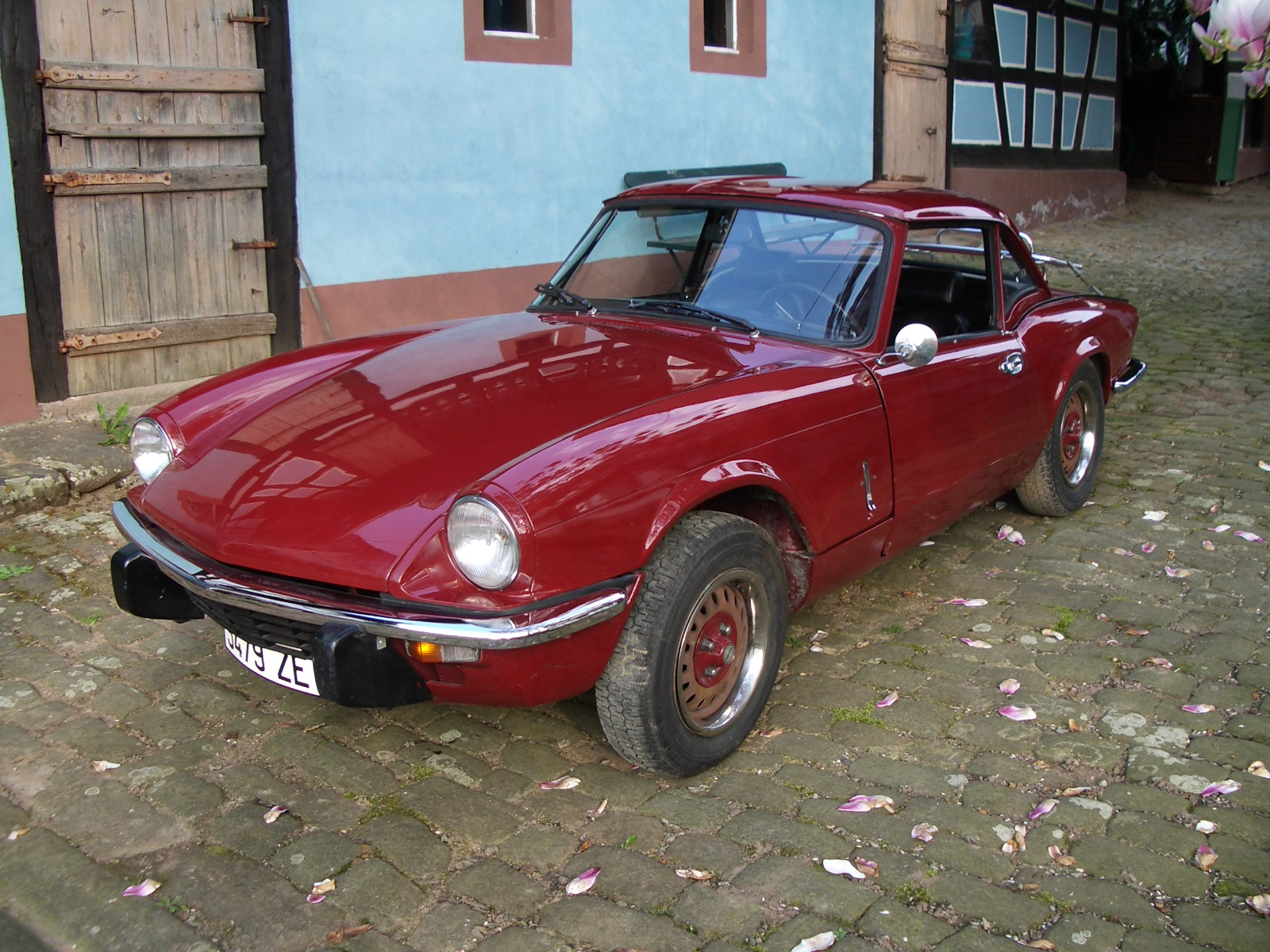 file triumph spitfire 1500 with hardtop and luggage rack wikimedia commons. Black Bedroom Furniture Sets. Home Design Ideas