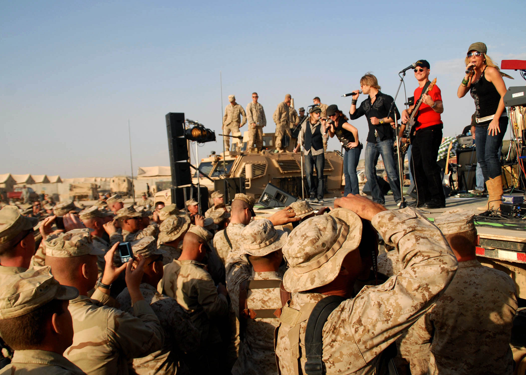 Kiss In Iraq Uso Tour