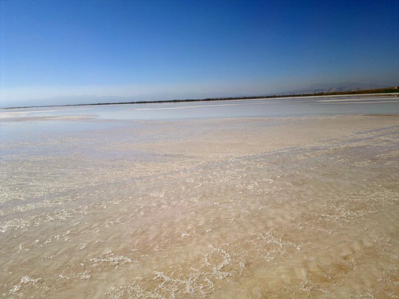 File:Urmia Lake2 by Yoosef Pooranvari.jpg